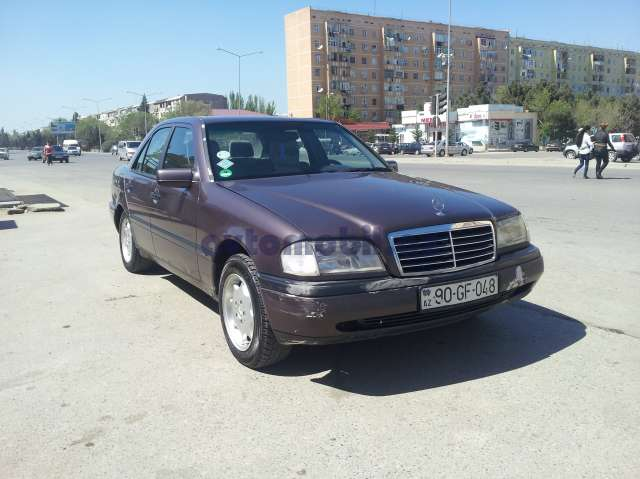 Mercedes benz c 180 second hand 1995 5700 gasoline for Mercedes benz second hand cars