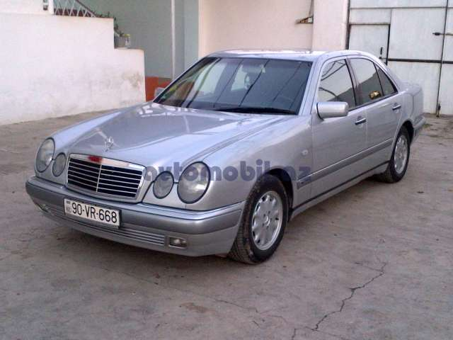 Mercedes benz e 240 second hand 1999 6000 credit for Second hand mercedes benz