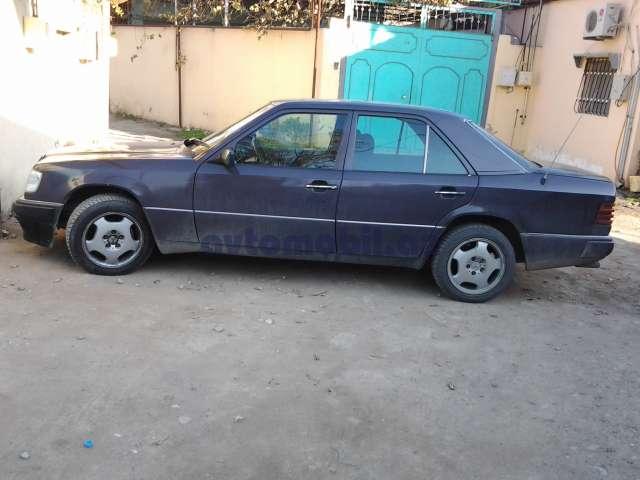 Mercedes benz e 300 second hand 1993 6300 diesel for Second hand mercedes benz