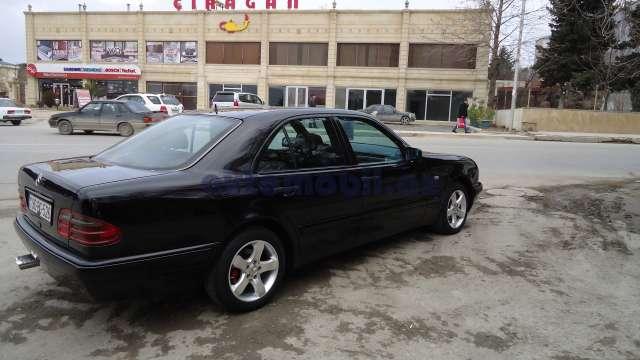 Mercedes benz e 220 second hand 1997 9300 diesel for Second hand mercedes benz