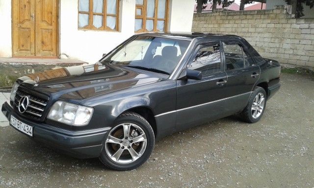 Mercedes benz e 200 second hand 1994 8700 gasoline for Mercedes benz second hand cars