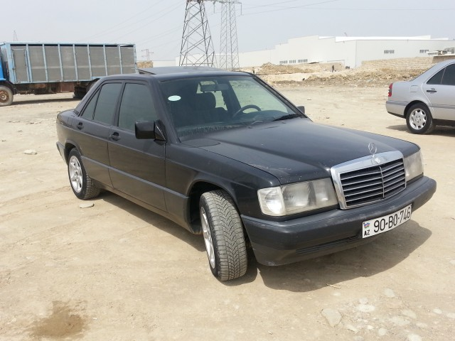 Mercedes benz c 180 second hand 1990 4500 gasoline for Mercedes benz 2nd hand