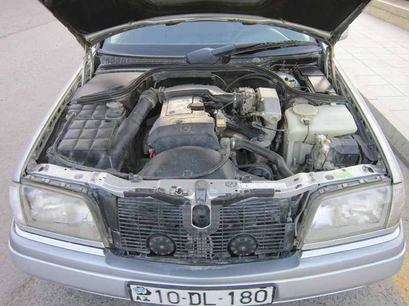 Mercedes benz c 180 1995 6500 for Mercedes benz 6500