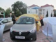 """Renault Dokker ən yaxşi kommersiya avtomobili kimi """"qizil çarx"""" mükafatina layiq görüldü."""
