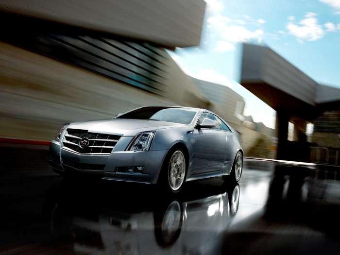 Məğrur və aqressiv Cadillac CTS 2012