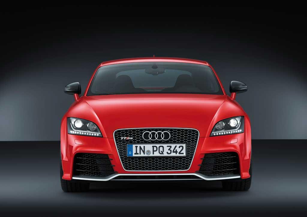 Audi TT RS plus 2013: yenilənmiş və güclü