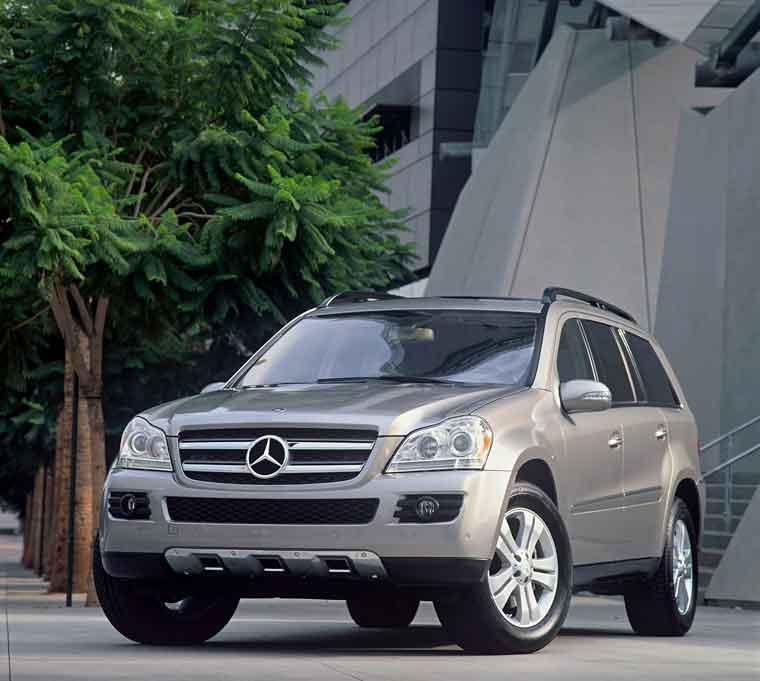 Bəzi zəif yerləri olsa da, Mercedes-Benz GL flaqman adına layiqdir