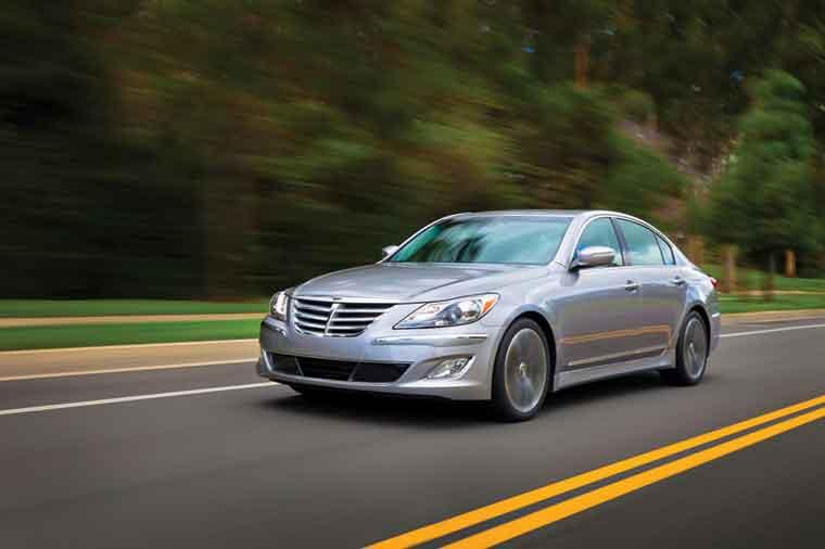 Hyundai Genesis 2013: yenilənmiş sedan