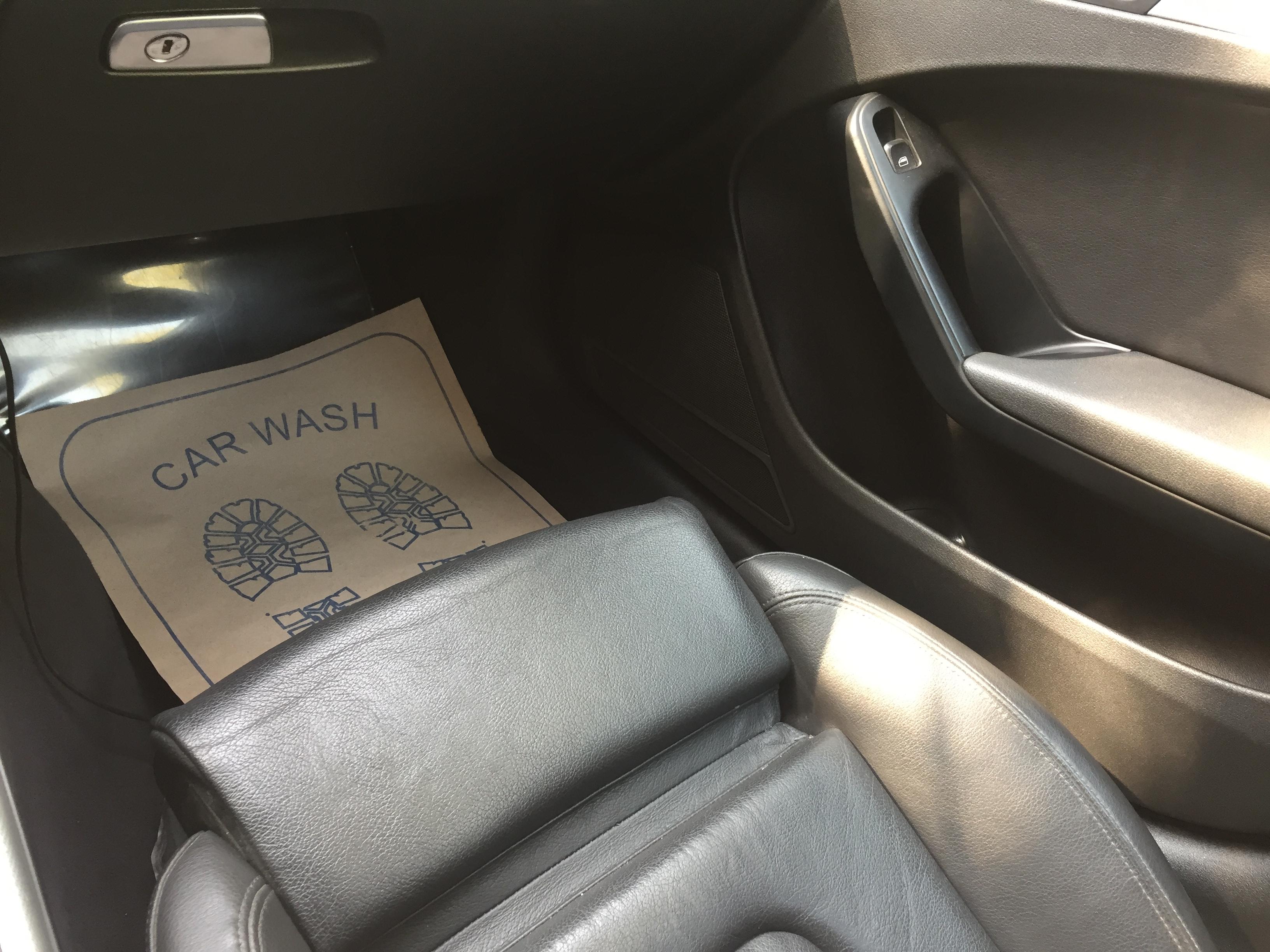 Audi A4 2.0(lt) 2009 Подержанный  $10500