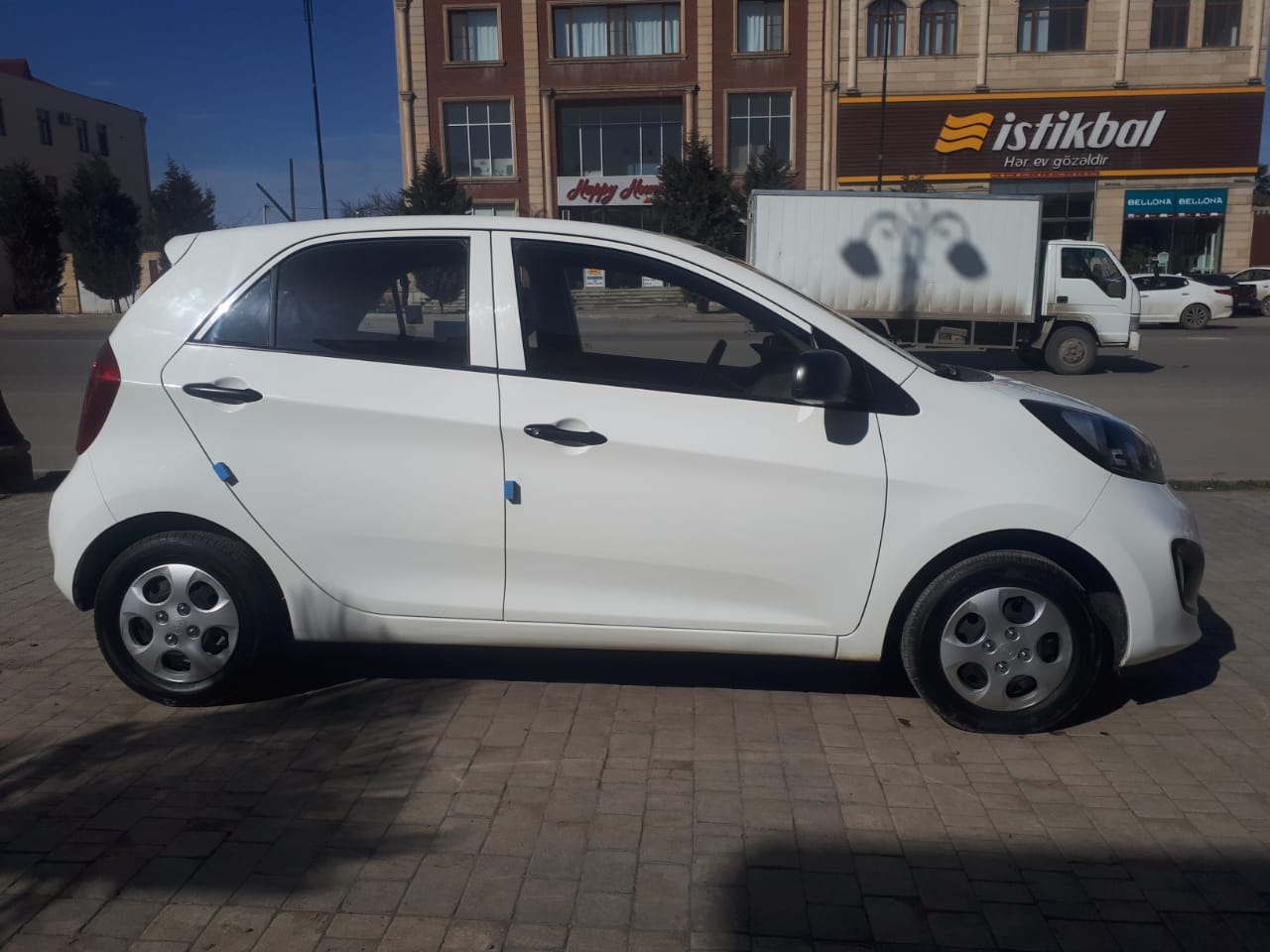 Search And Selection Of Cars In The Catalog Of Cars Kia Picanto