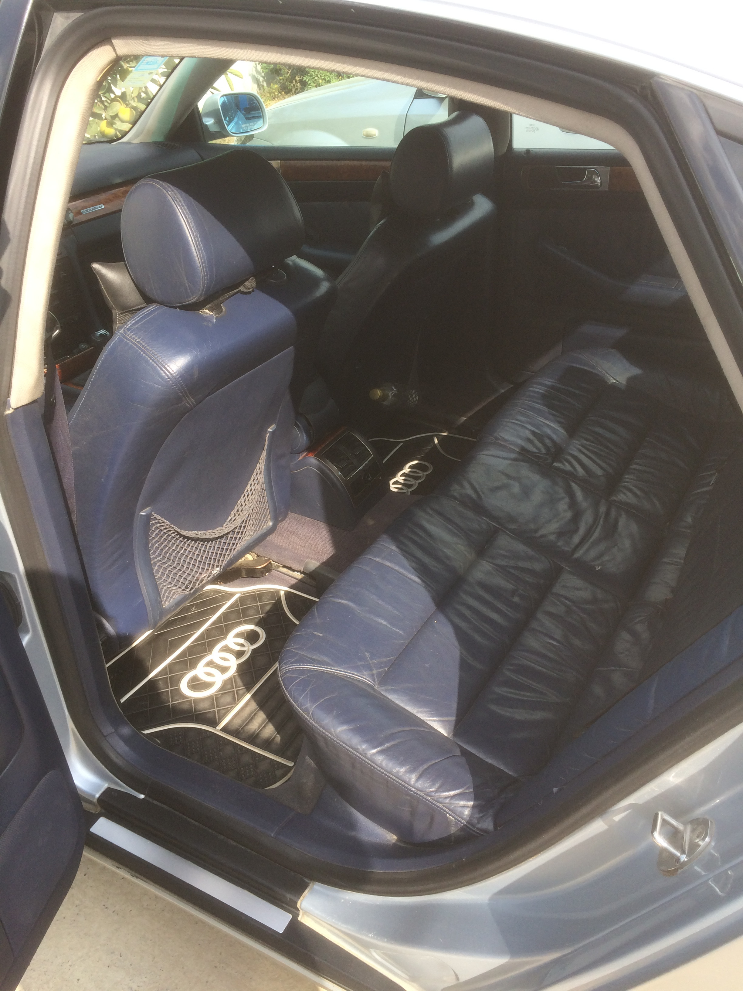 Audi A6 2.4(lt) 1998 Подержанный  $2360