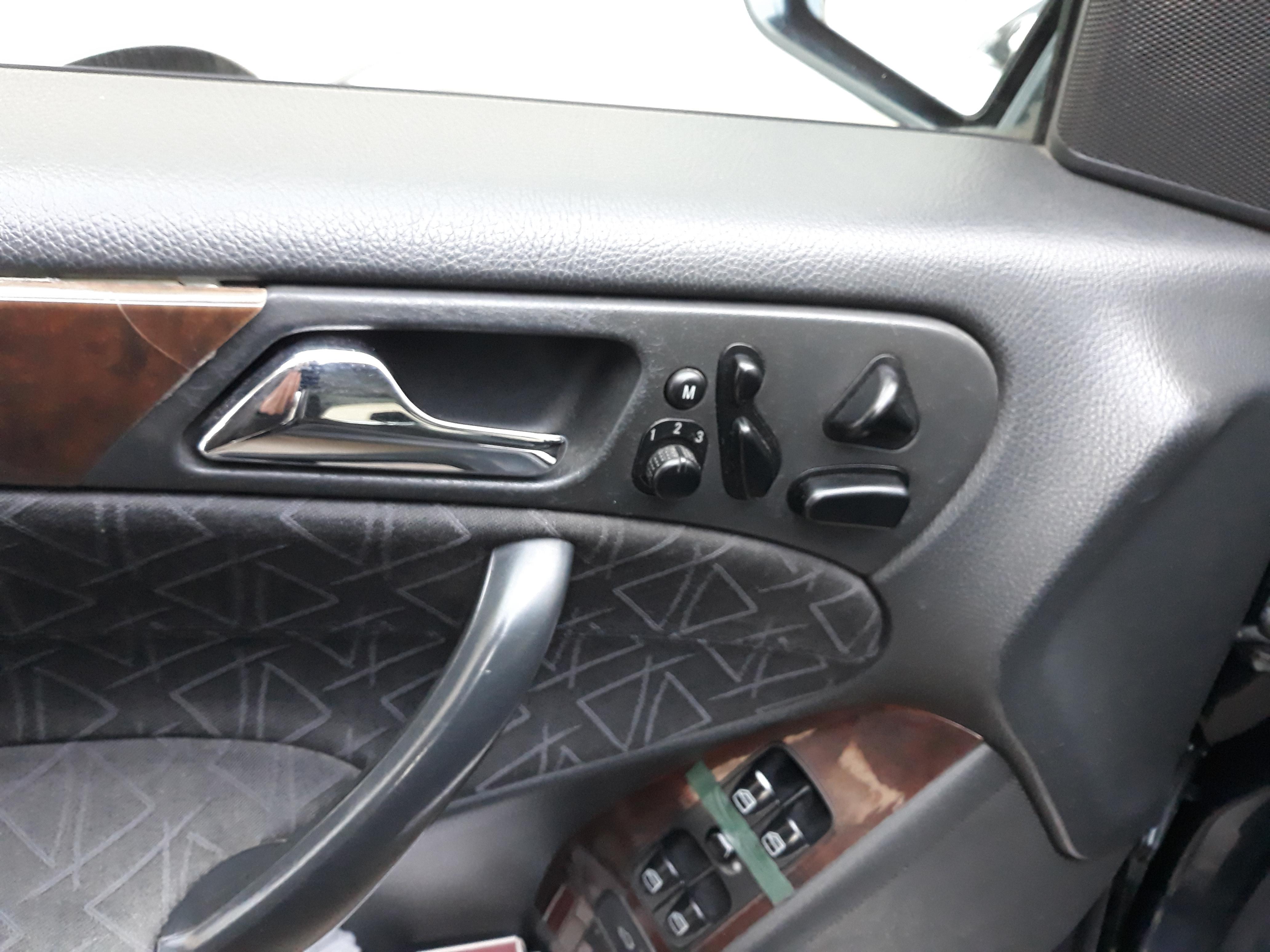 Mercedes-Benz C 240 2.6(lt) 2002 Подержанный  $7000