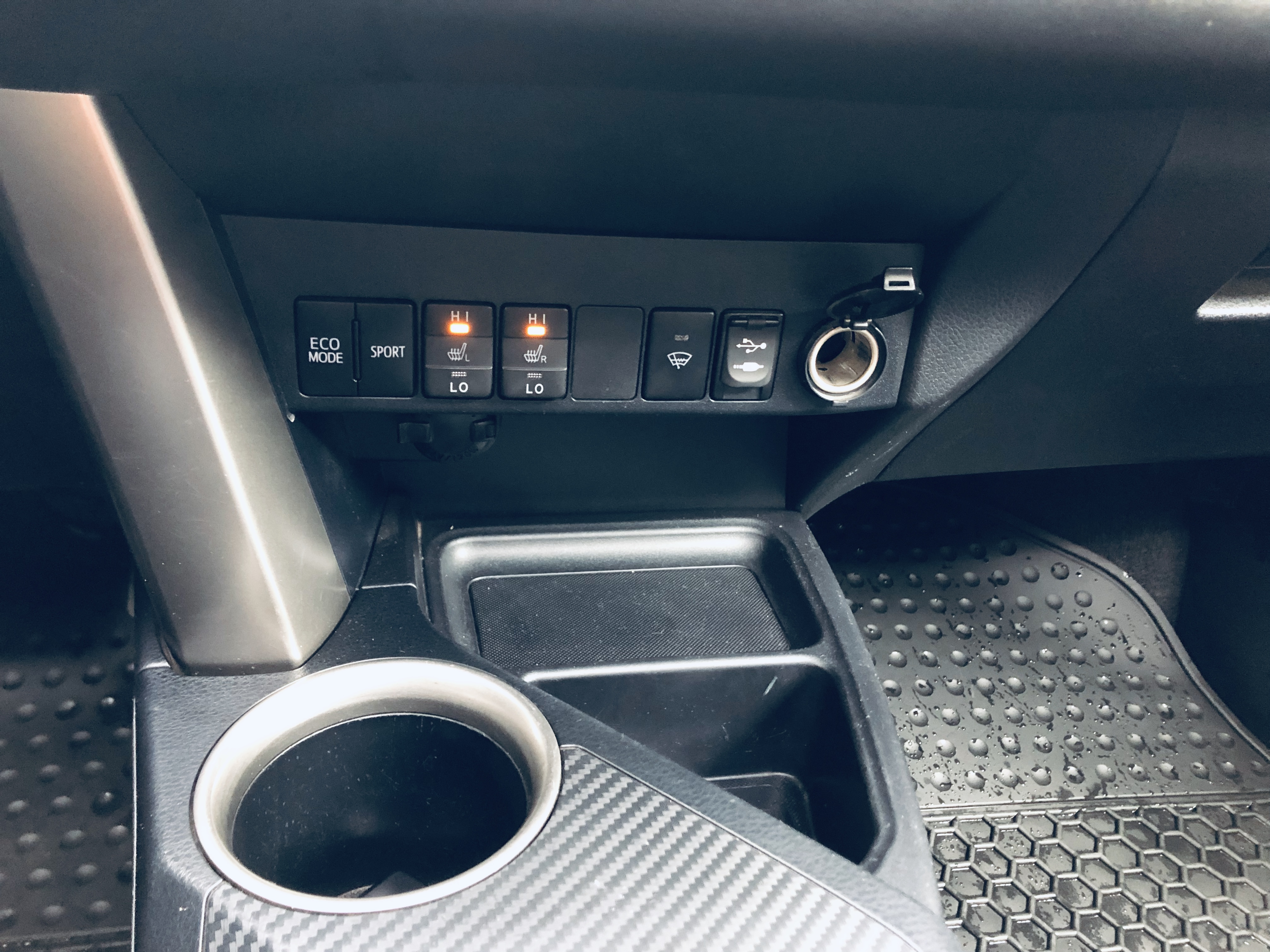 Toyota RAV 4 2.5(lt) 2014 Подержанный  $25900