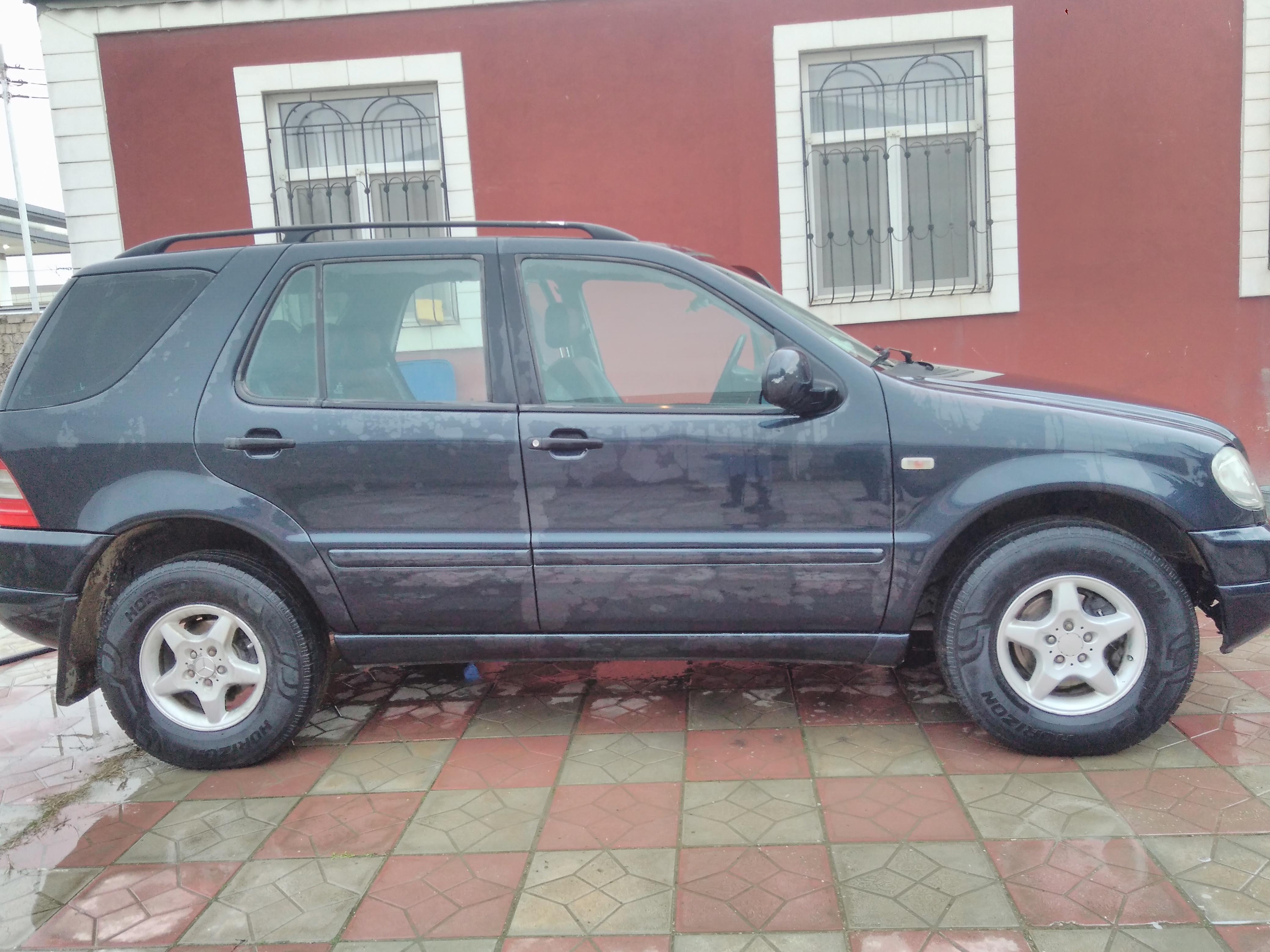 Mercedes-Benz ML 230 2.3(lt) 1998 Подержанный  $13400