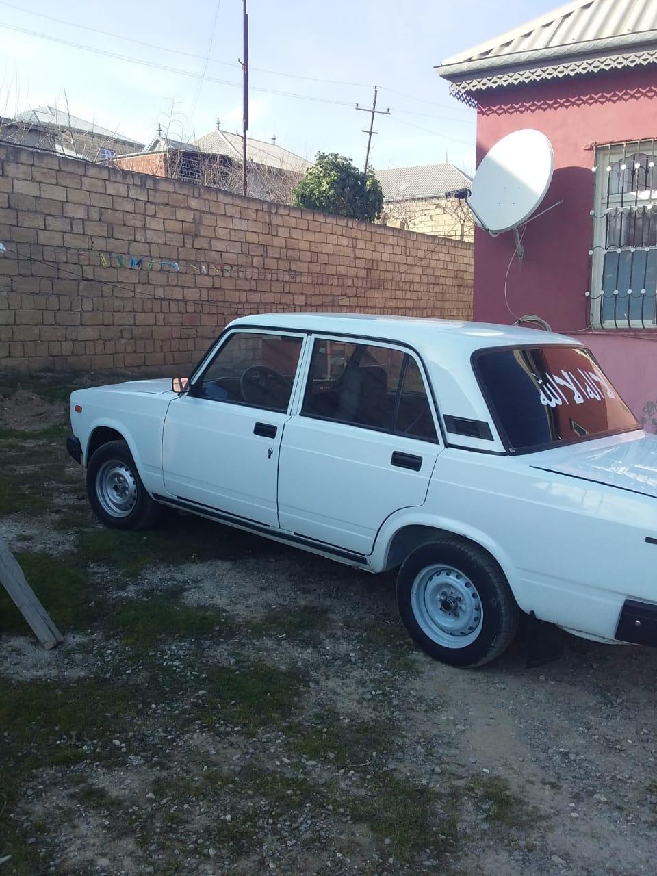 VAZ 2107 1.6(lt) 2004 Подержанный  $3700