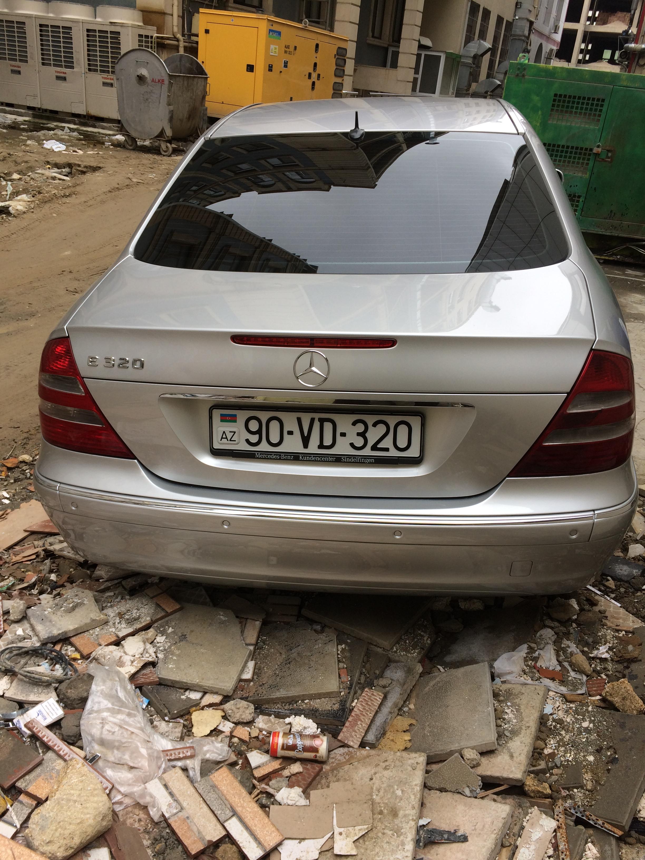 Mercedes-Benz E 320 3.2(lt) 2003 Подержанный  $16000