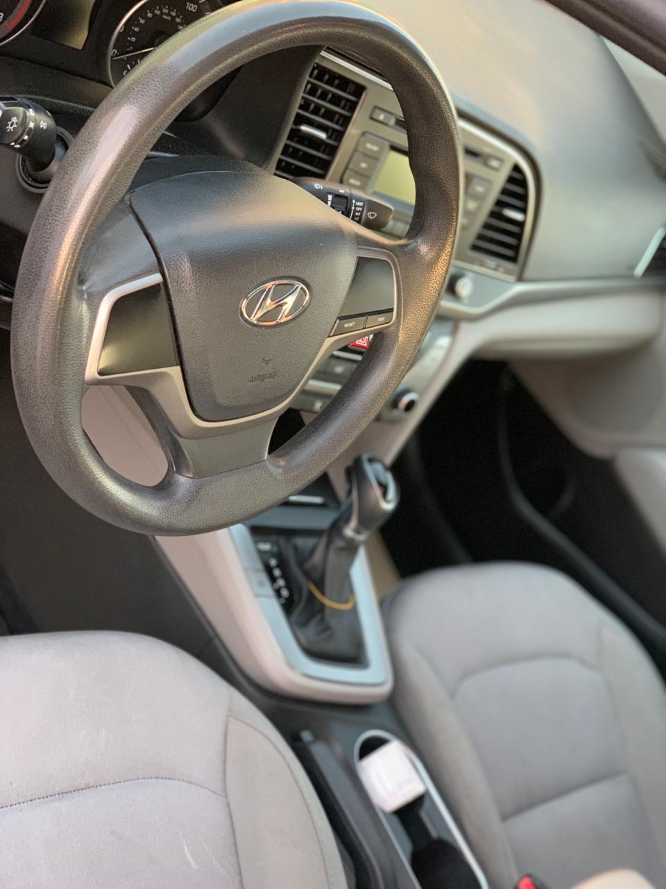 Hyundai Elantra 2000(lt) 2016 Подержанный  $15800