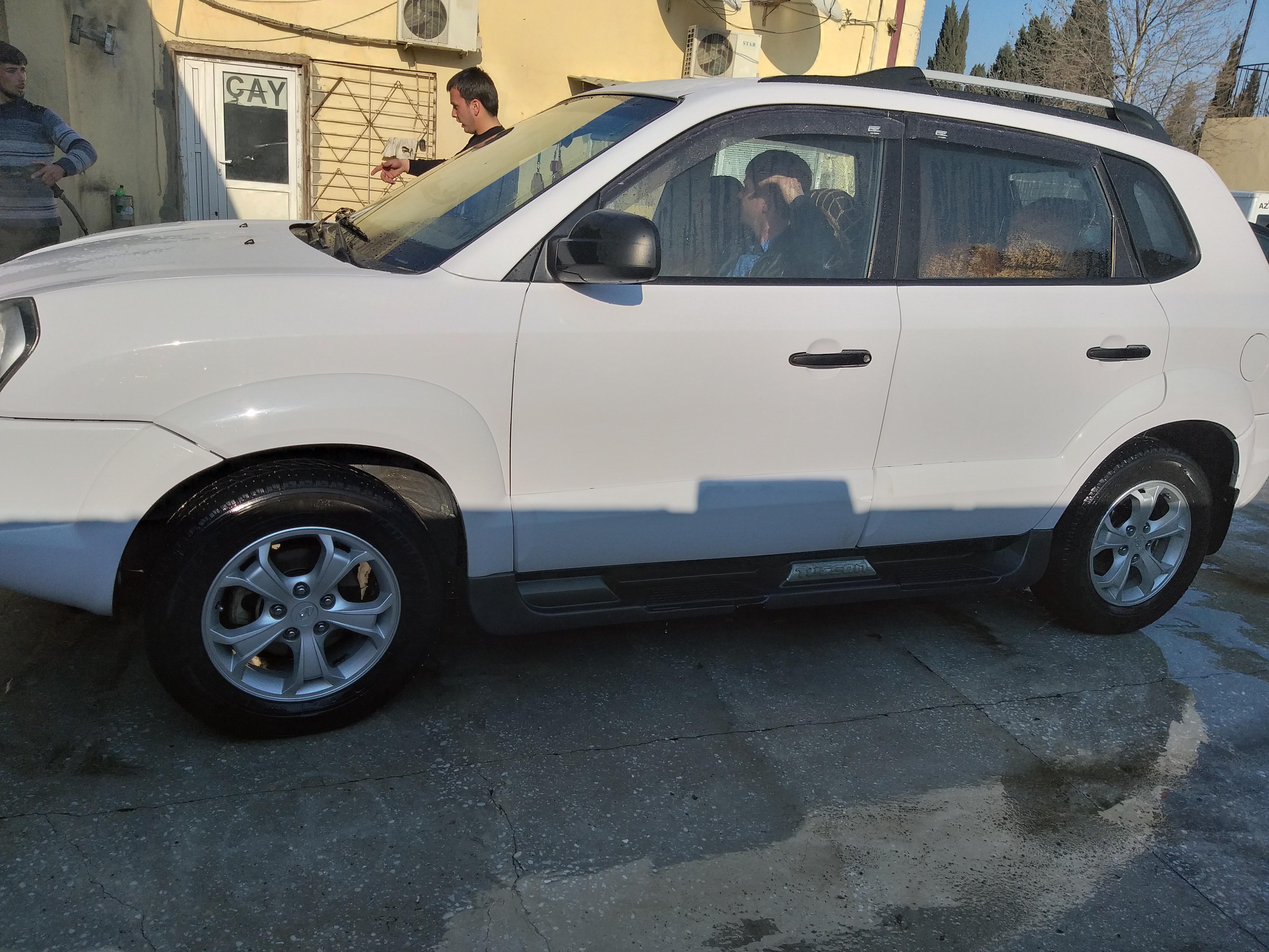 Hyundai Tucson 2.0(lt) 2008 Second hand  $17000