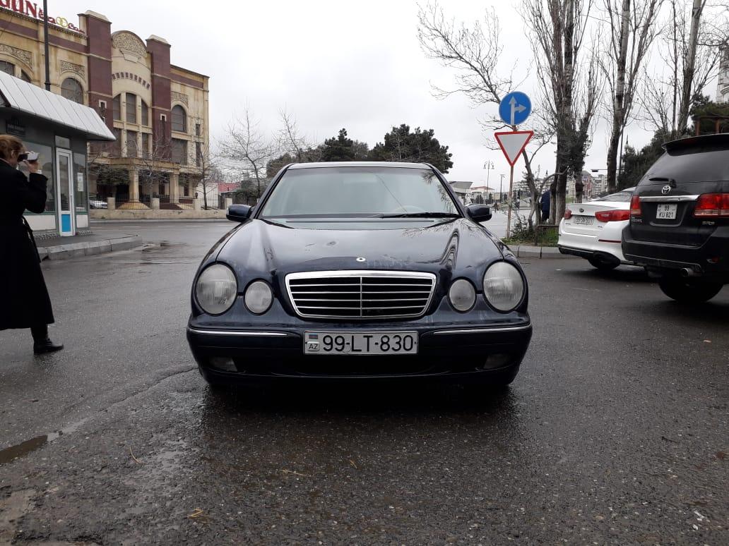 Mercedes-Benz E 270