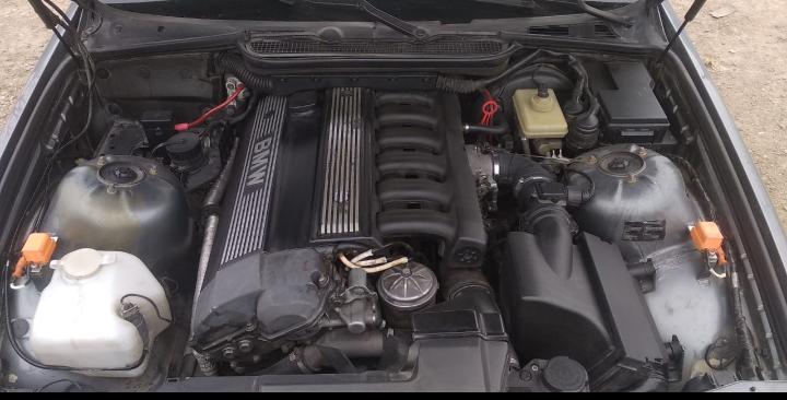 BMW 320 2.0(lt) 1992 Подержанный  $2200