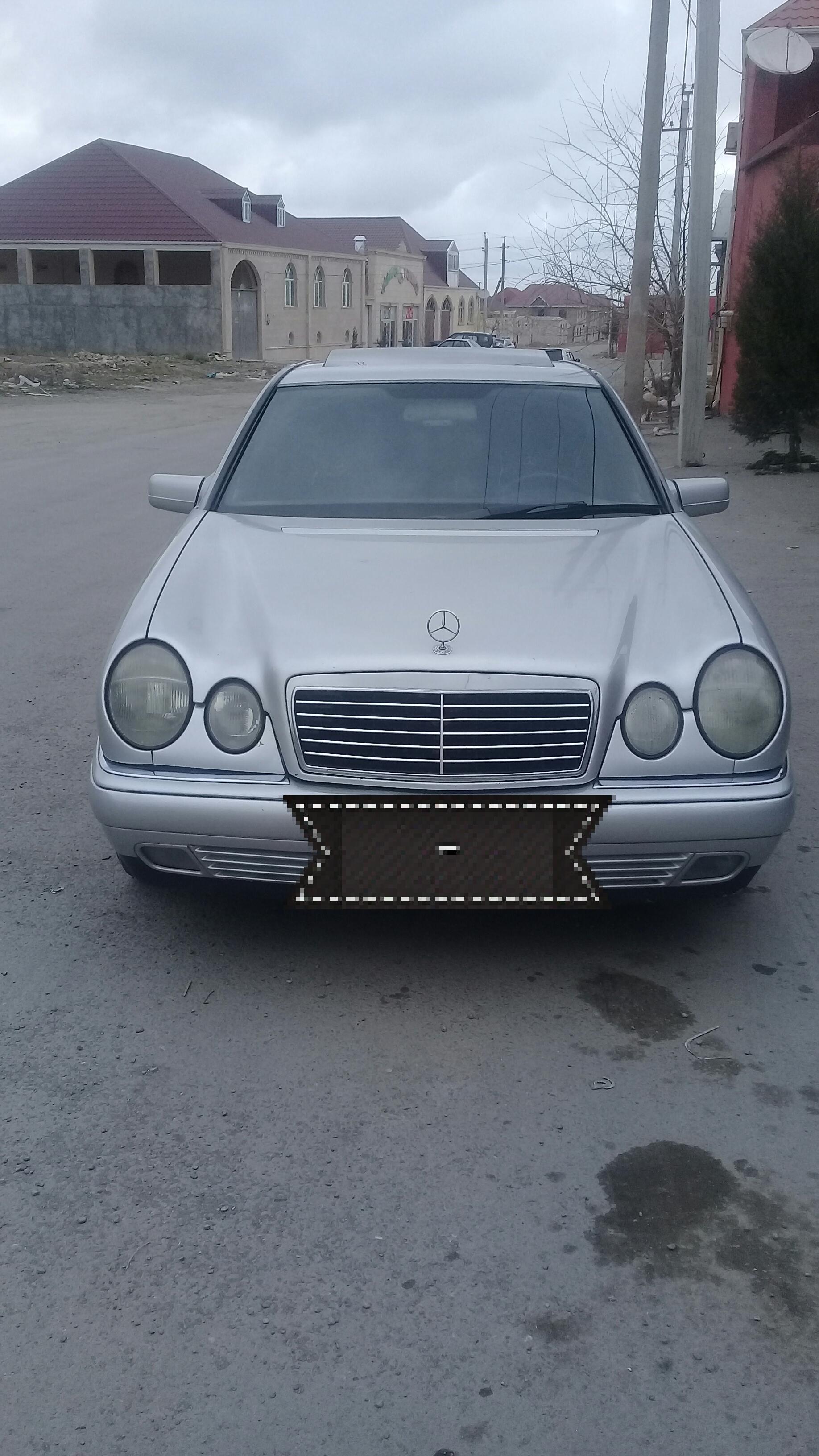 Mercedes-Benz E 230 2.3(lt) 1996 Second hand  $8900