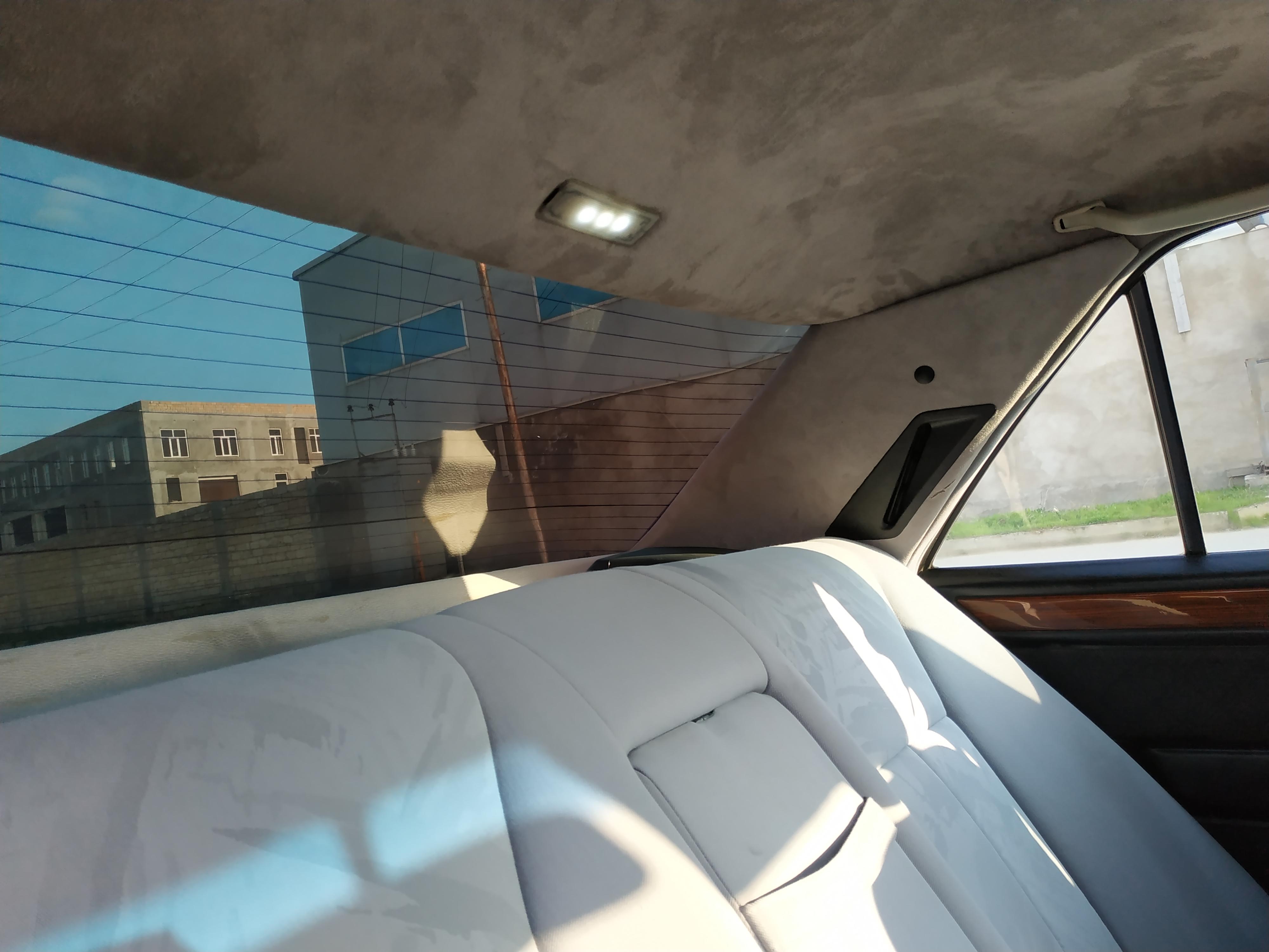 Mercedes-Benz E 250 2.5(lt) 1994 Second hand  $8800