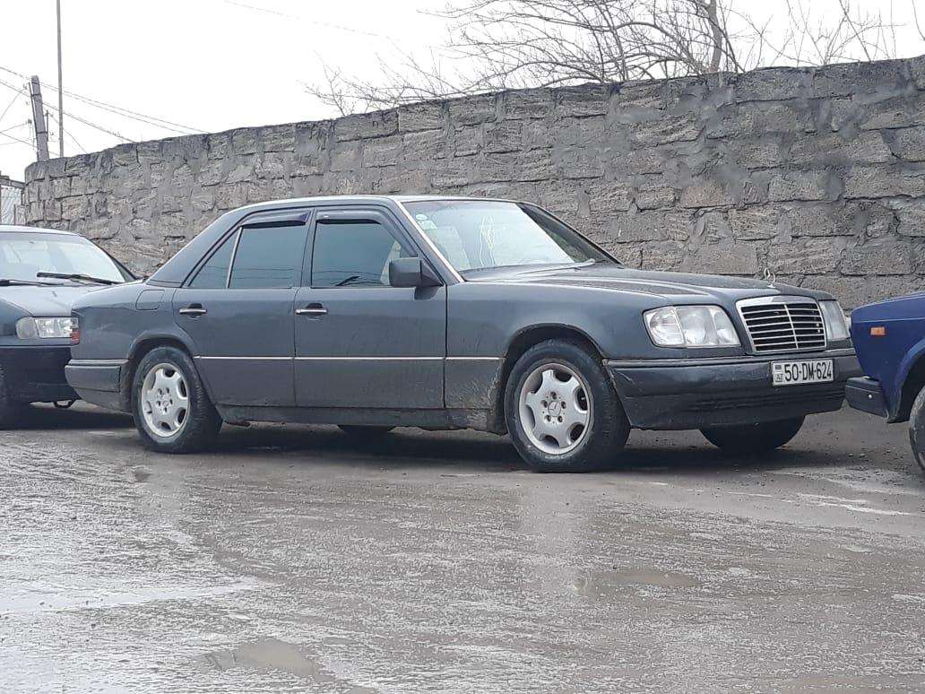 Mercedes-Benz E 220 2.2(lt) 1994 İkinci əl  $2830