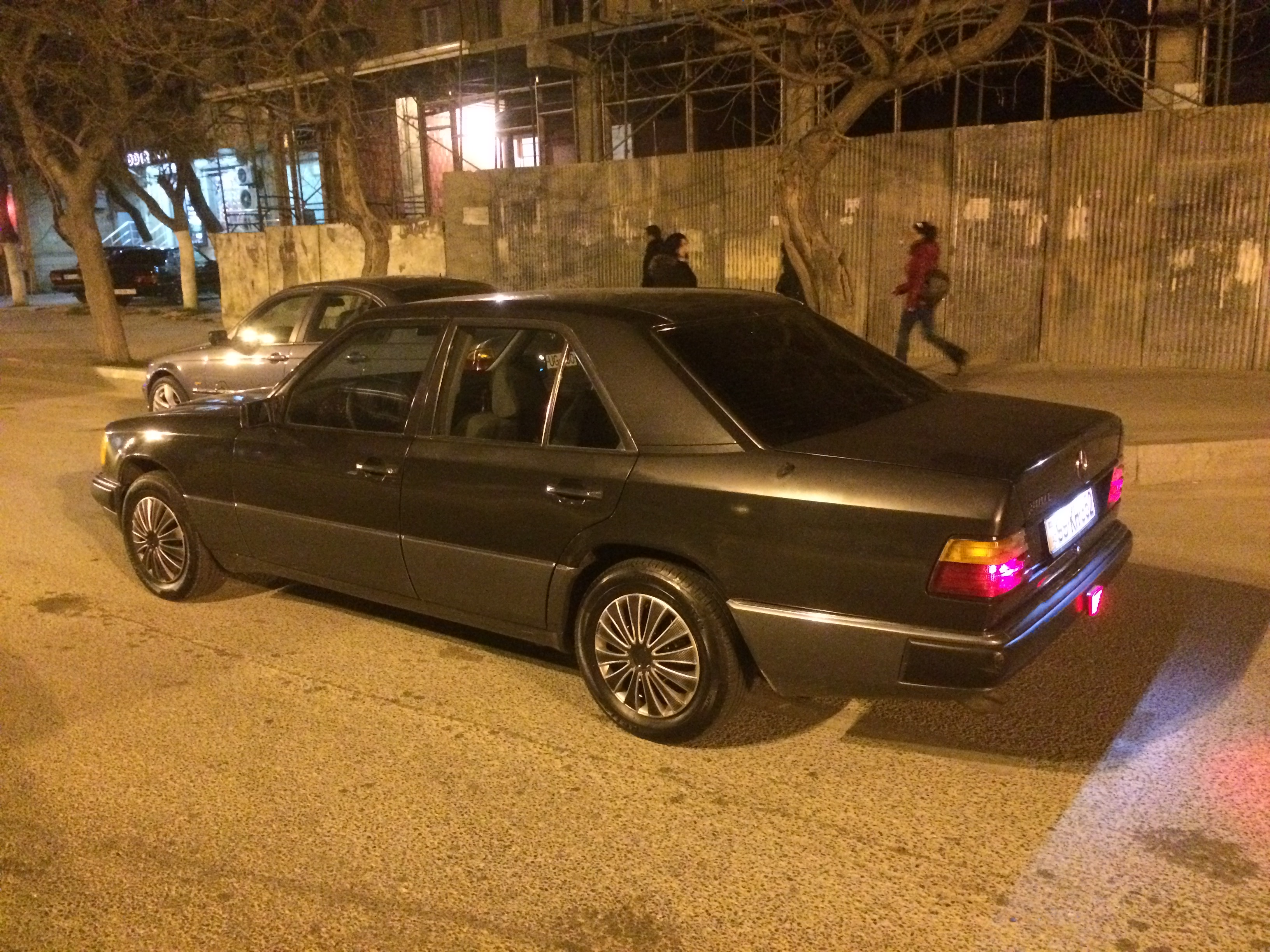 Mercedes-Benz E 300 3.0(lt) 1991 Second hand  $3400