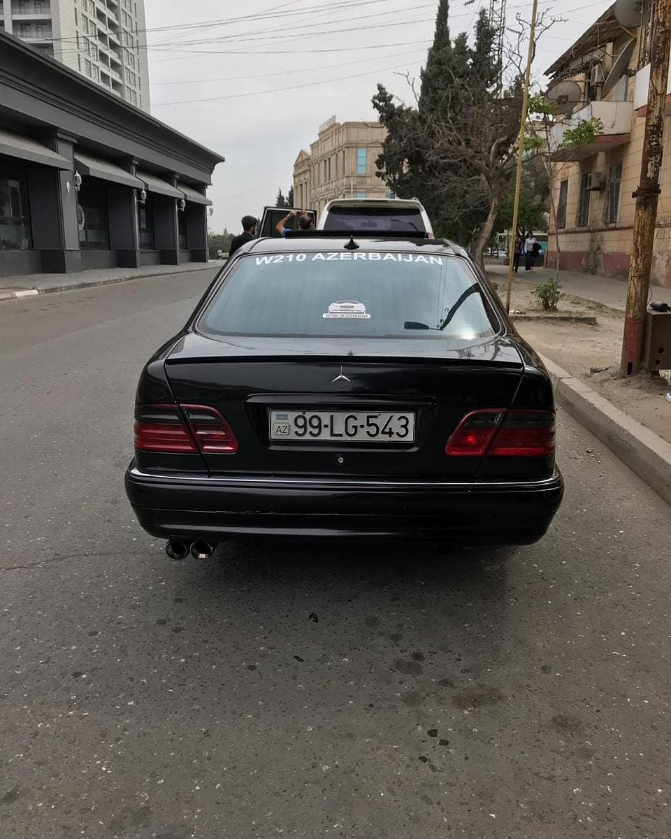 Mercedes-Benz E 300 3.0(lt) 1999 Second hand  $12500