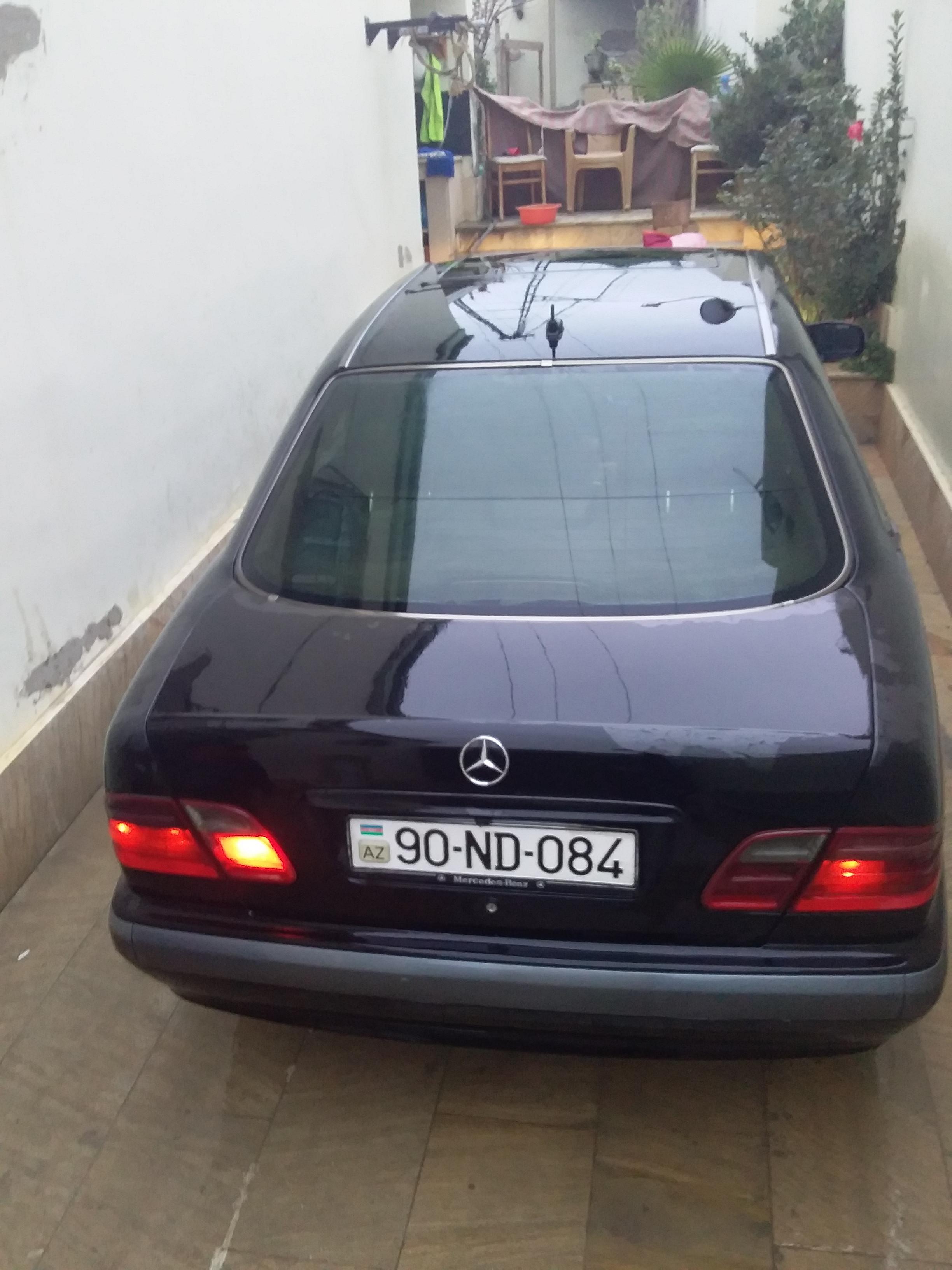 Mercedes-Benz E 220 2.2(lt) 2001 İkinci əl  $15000