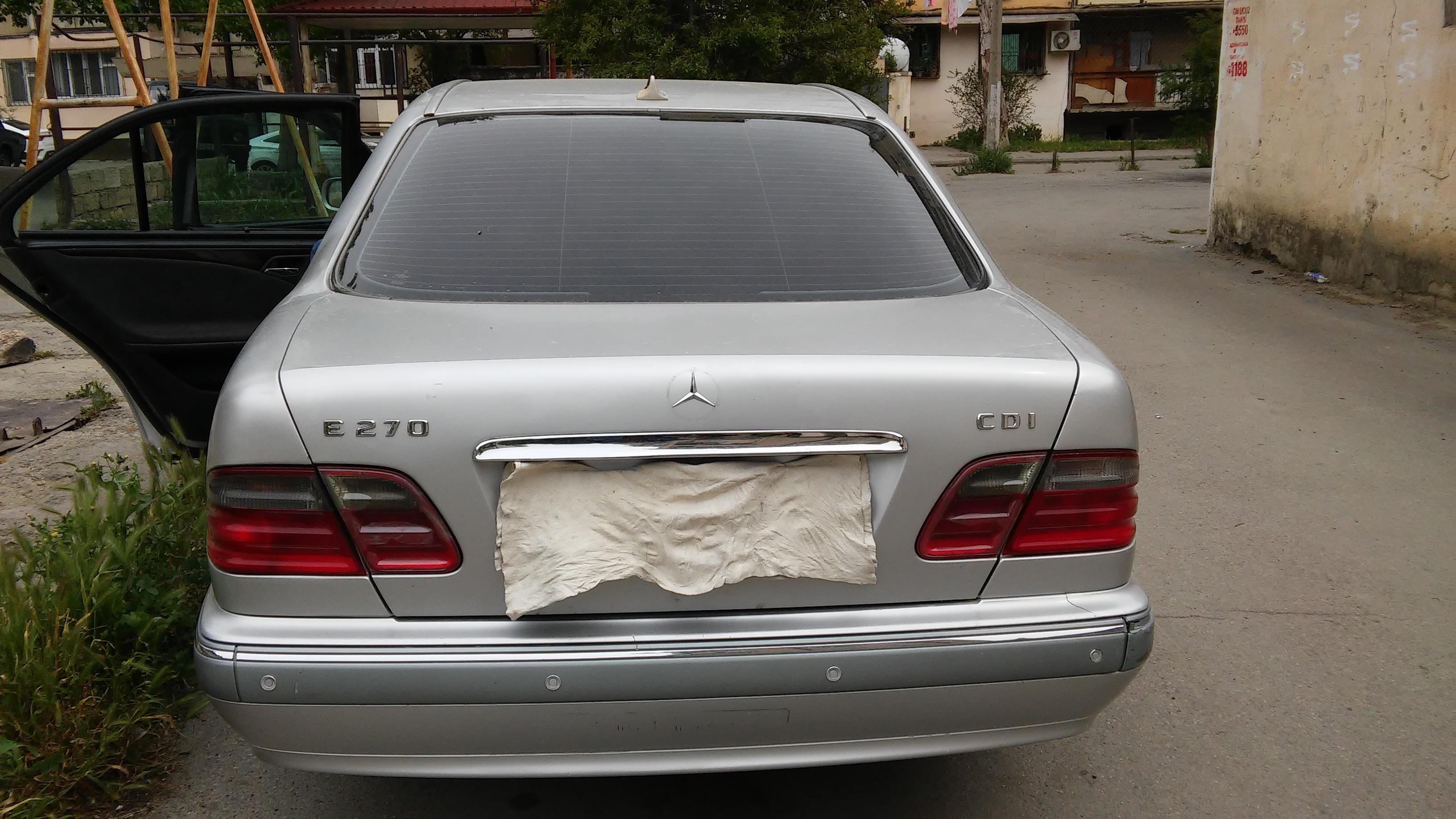 Mercedes-Benz E 270 2.7(lt) 2001 İkinci əl  $15000