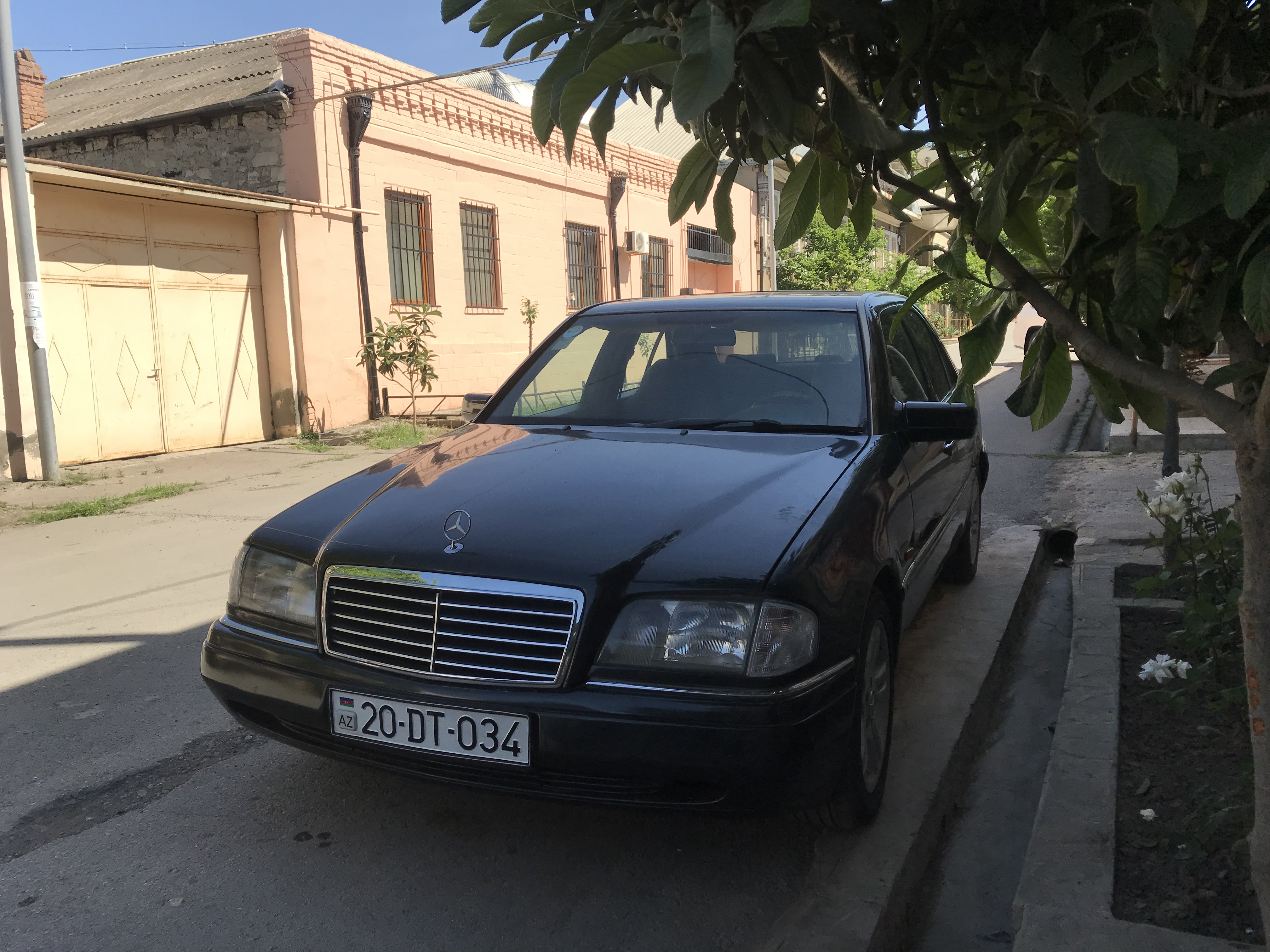 Mercedes-Benz C 220 2.2(lt) 1994 İkinci əl  $8000