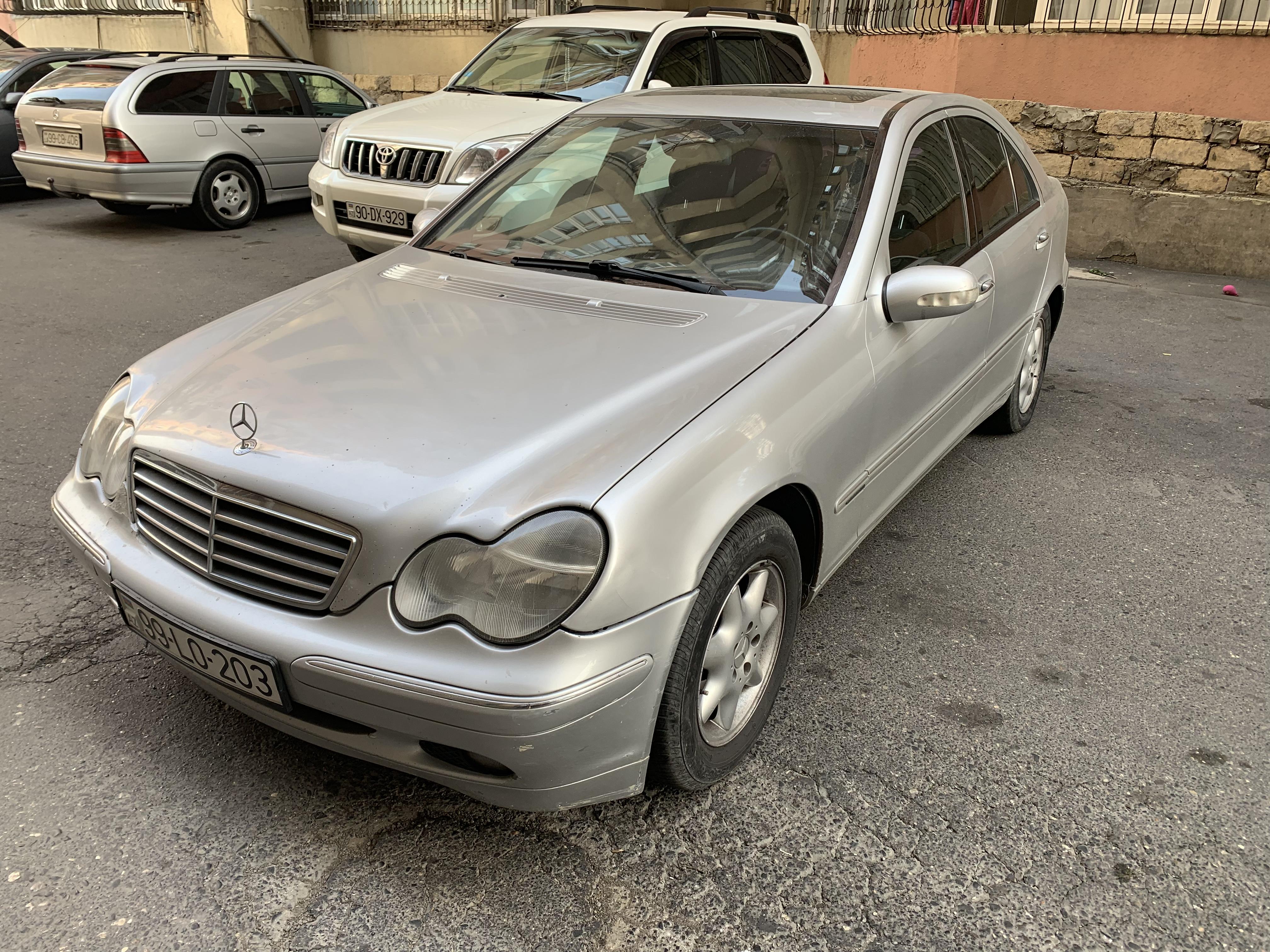Mercedes-Benz C 220 2.2(lt) 2002 Подержанный  $12000