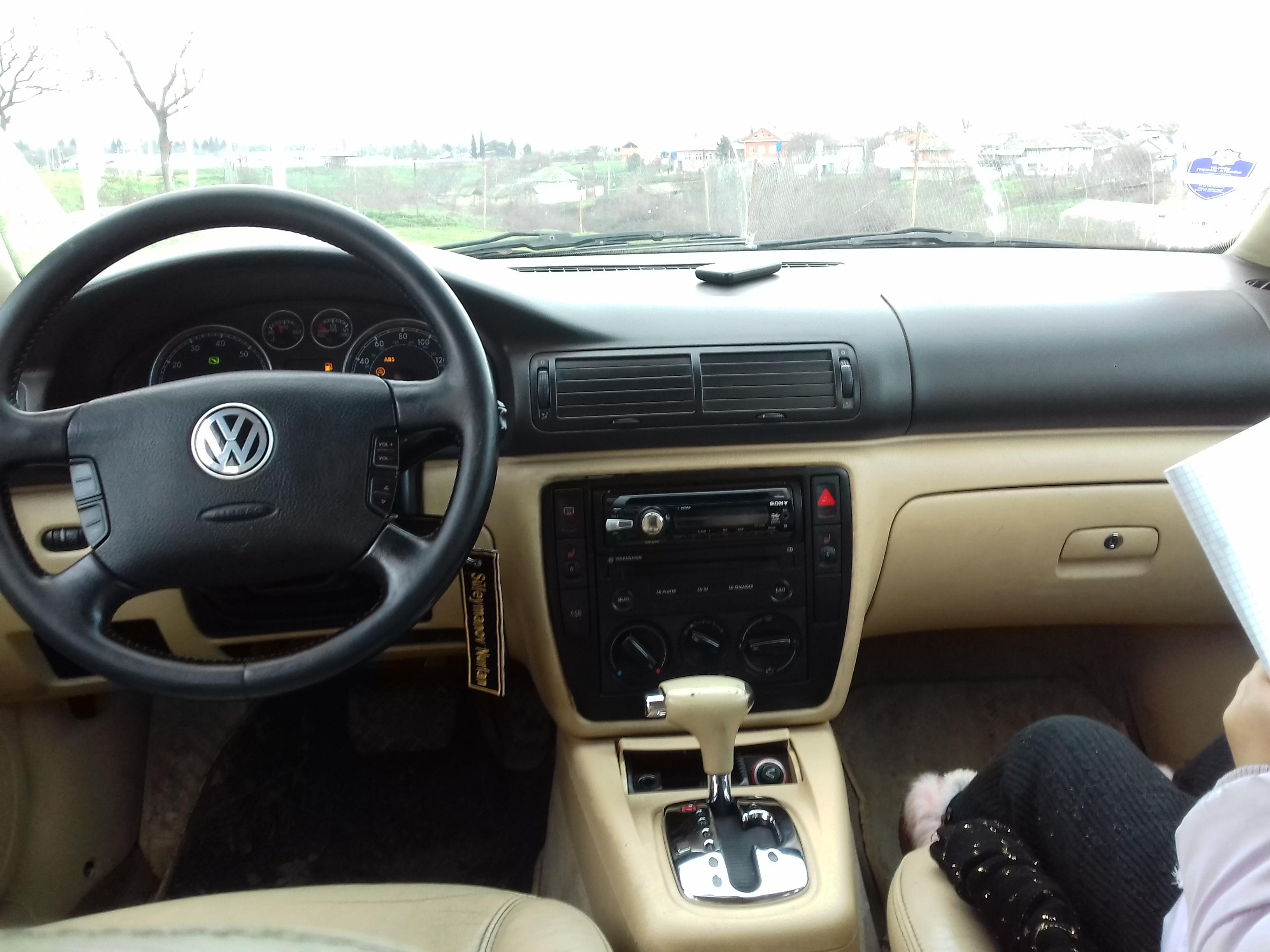 Volkswagen Passat 1.8(lt) 2001 Подержанный  $4500