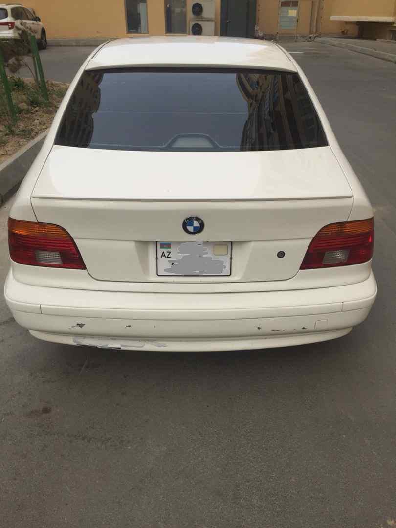 BMW 528 2.8(lt) 1998 Подержанный  $10000
