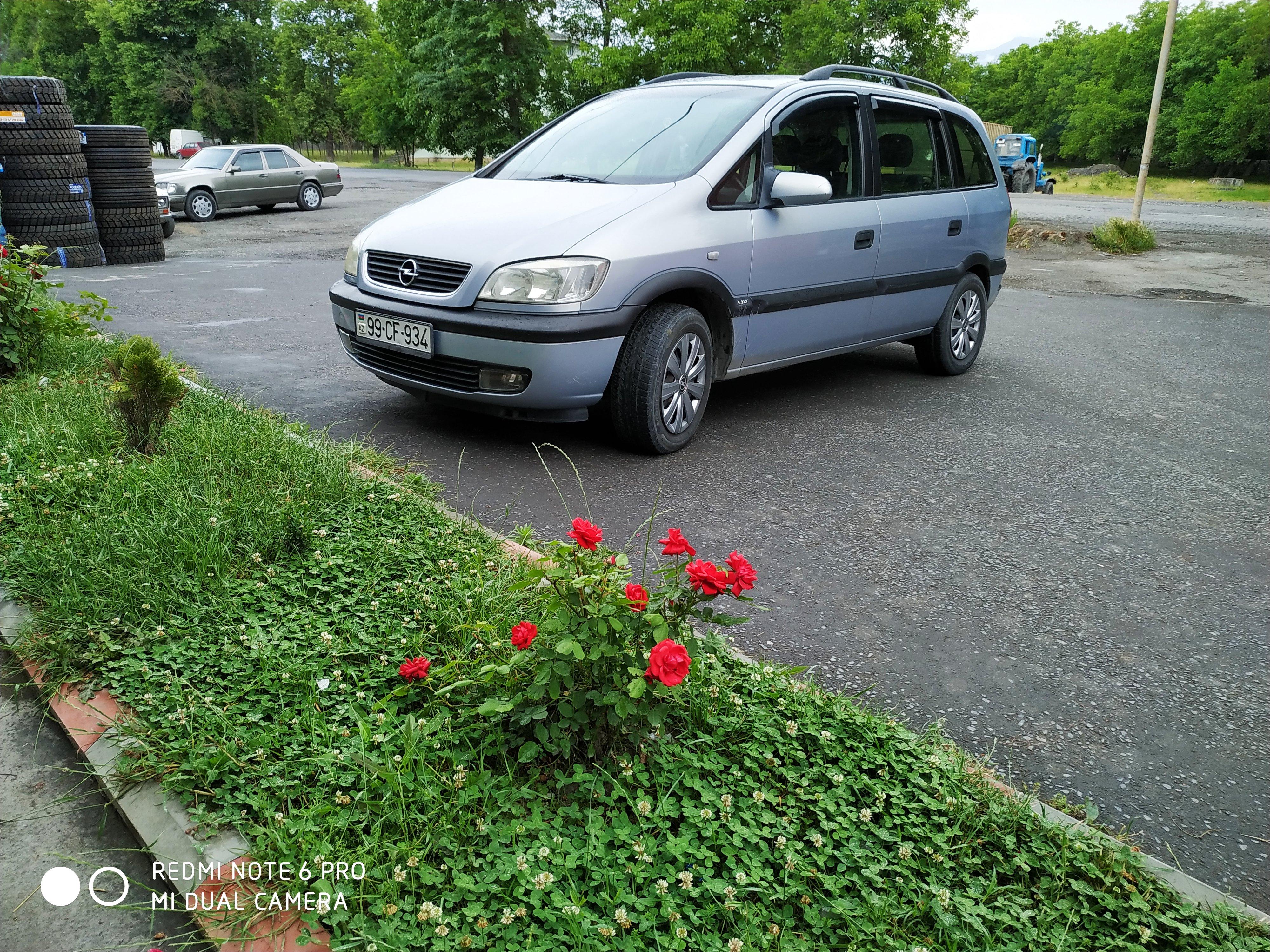 Opel Zafira 1800(lt) 1999 Подержанный  $10700
