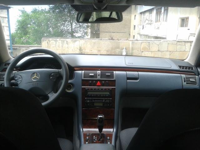 Mercedes-Benz E 260