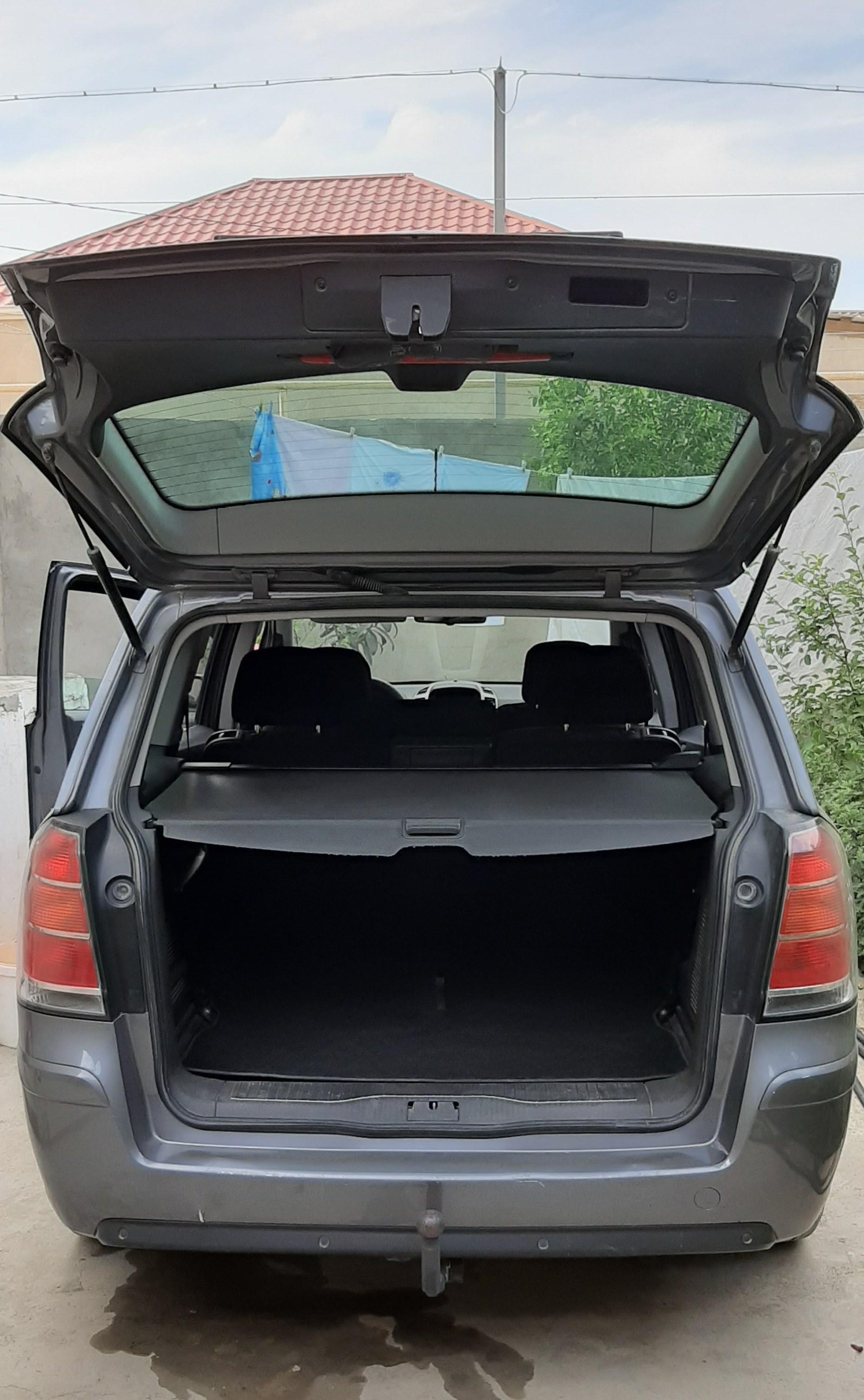 Opel Zafira 2.2(lt) 2005 İkinci əl  $8250