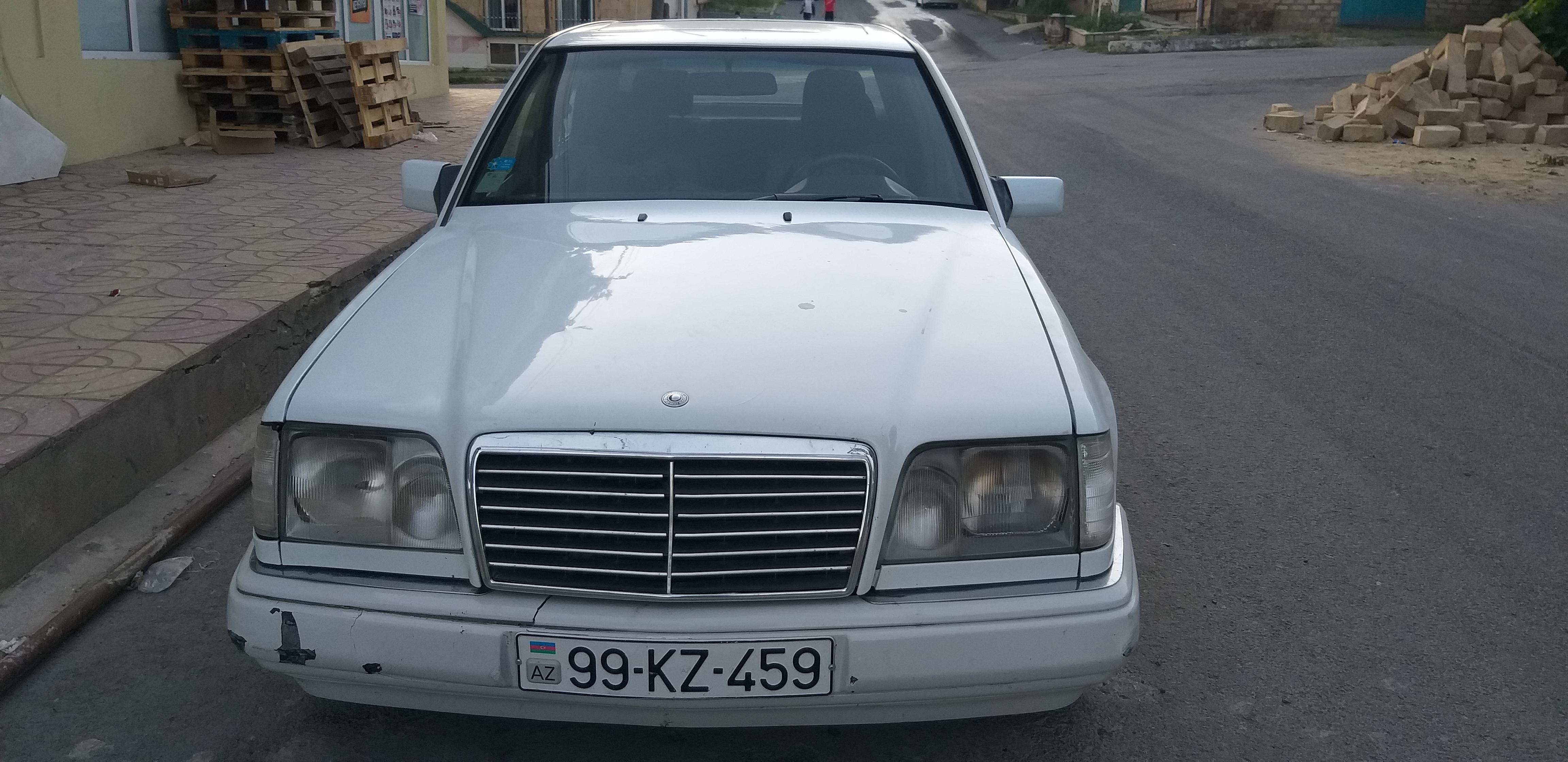 Mercedes-Benz E 220