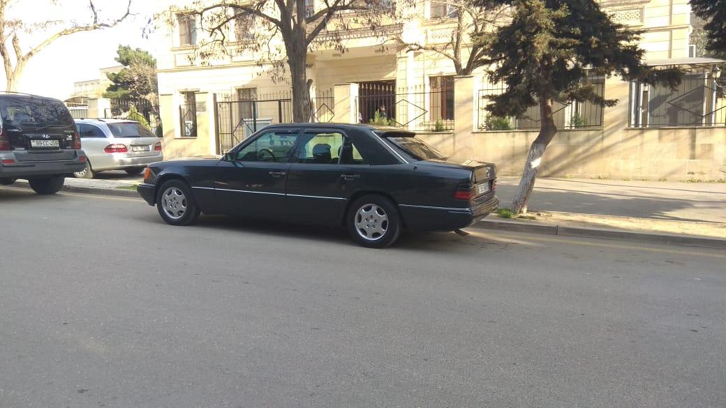 Mercedes-Benz E 220 2.2(lt) 1993 İkinci əl  $6750