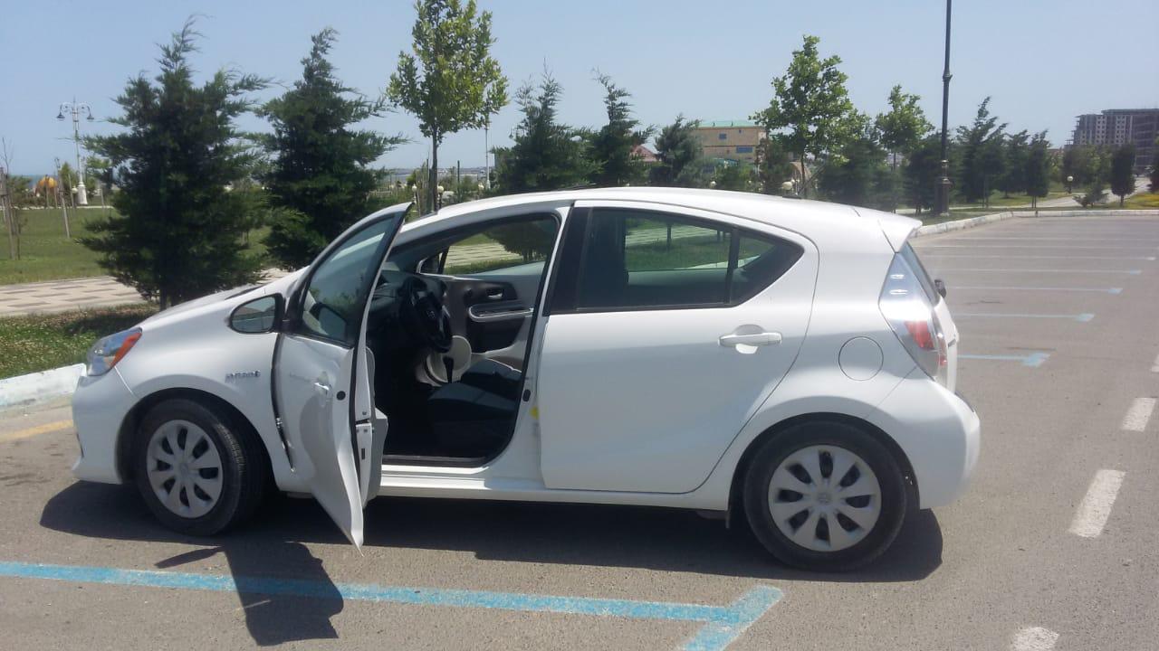 Toyota Prius 1.5(lt) 2013 İkinci əl  $20500