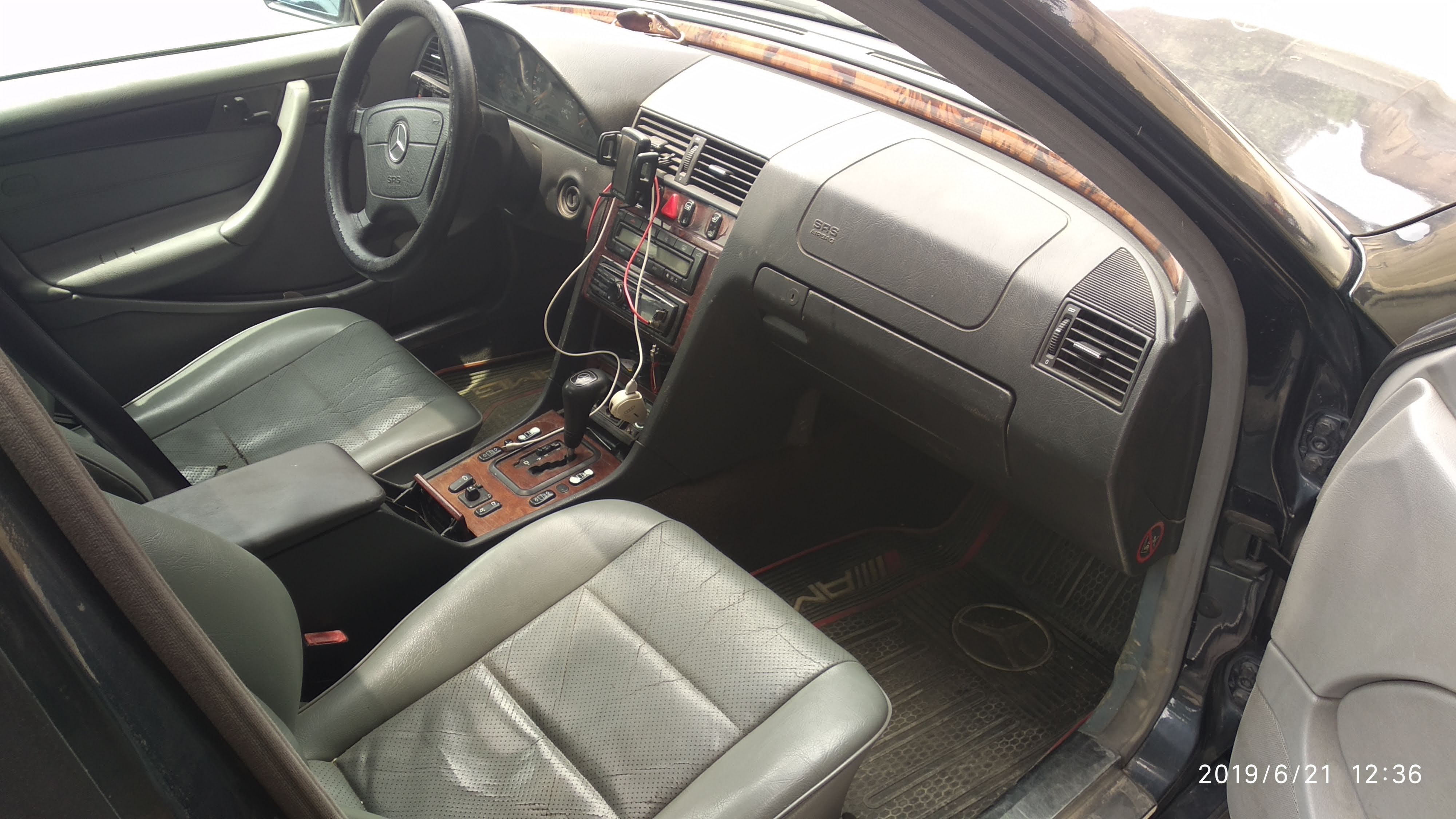 Mercedes-Benz C 200 2.0(lt) 1999 Second hand  $10500