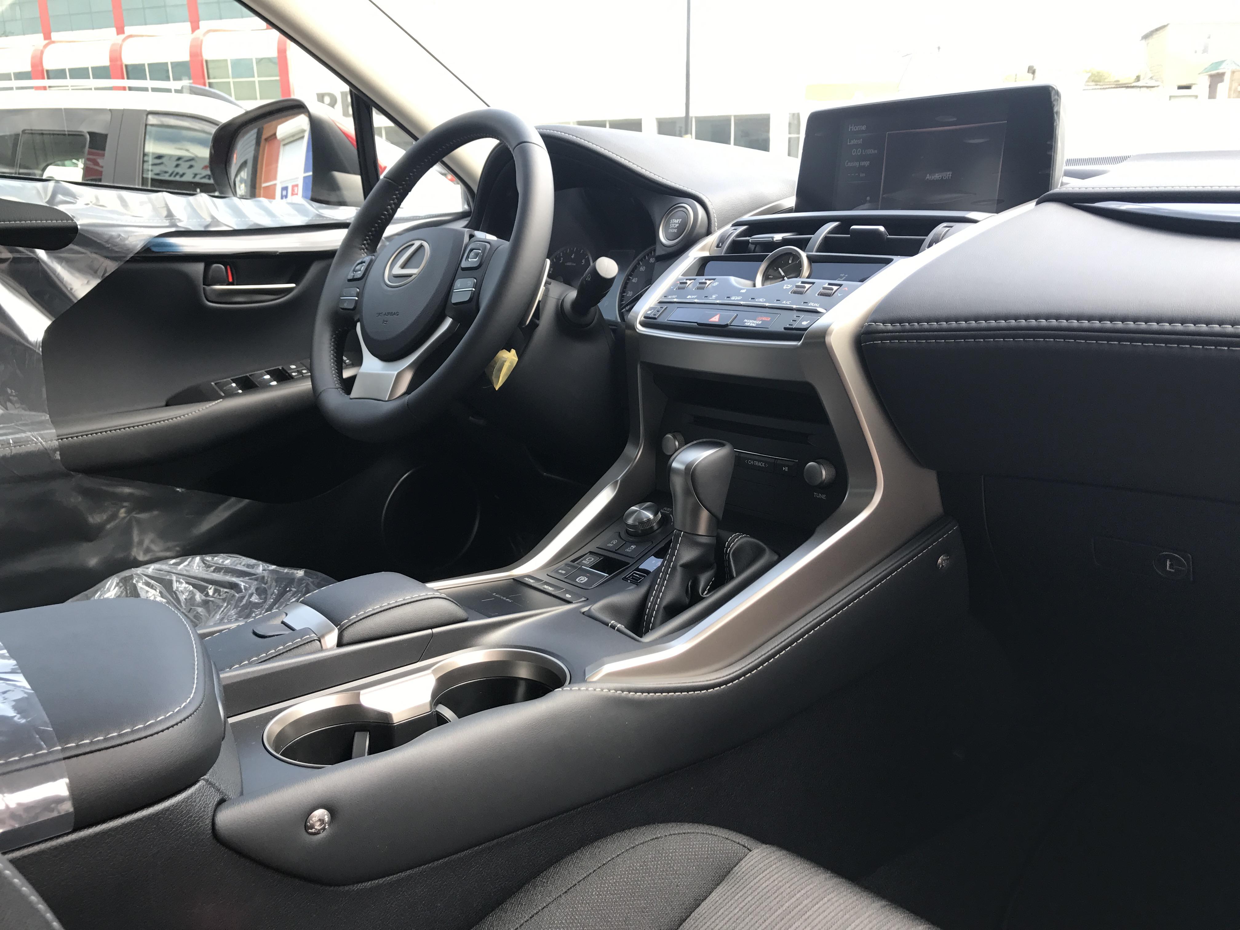 Lexus NX 200 2.0(lt) 2019 Новый автомобиль  $41500