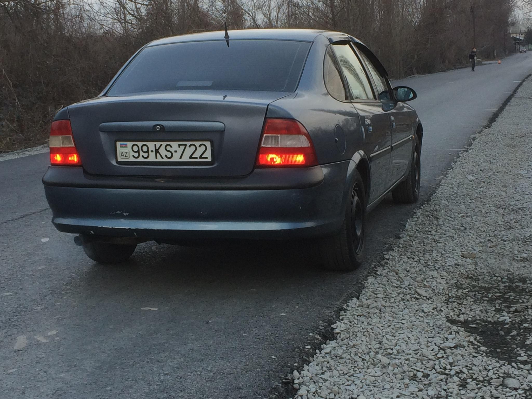 Opel Vectra 2.0(lt) 1998 Подержанный  $3700