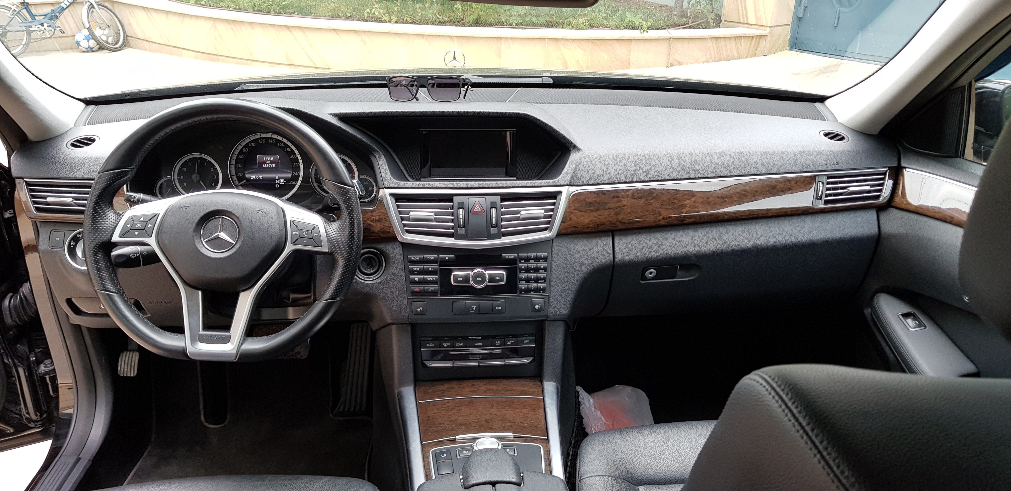 Mercedes-Benz E 220 2.2(lt) 2012 İkinci əl  $21900