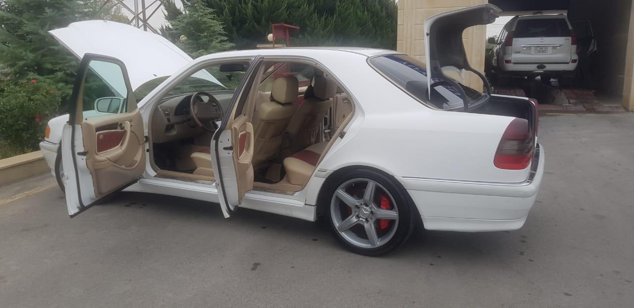 Mercedes-Benz C 230 2.3(lt) 1999 Second hand  $7600