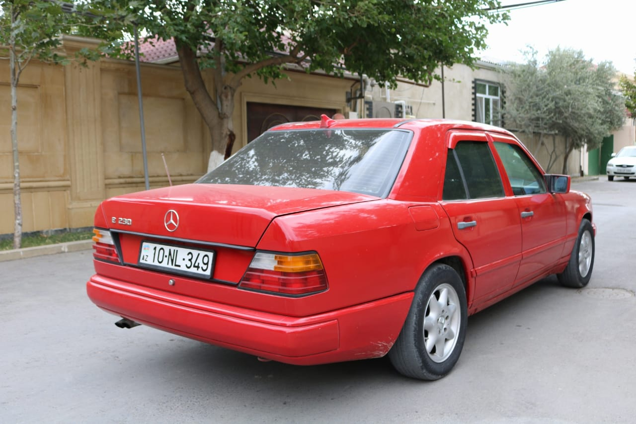 Mercedes-Benz E 230 2.3(lt) 1987 Second hand  $5300