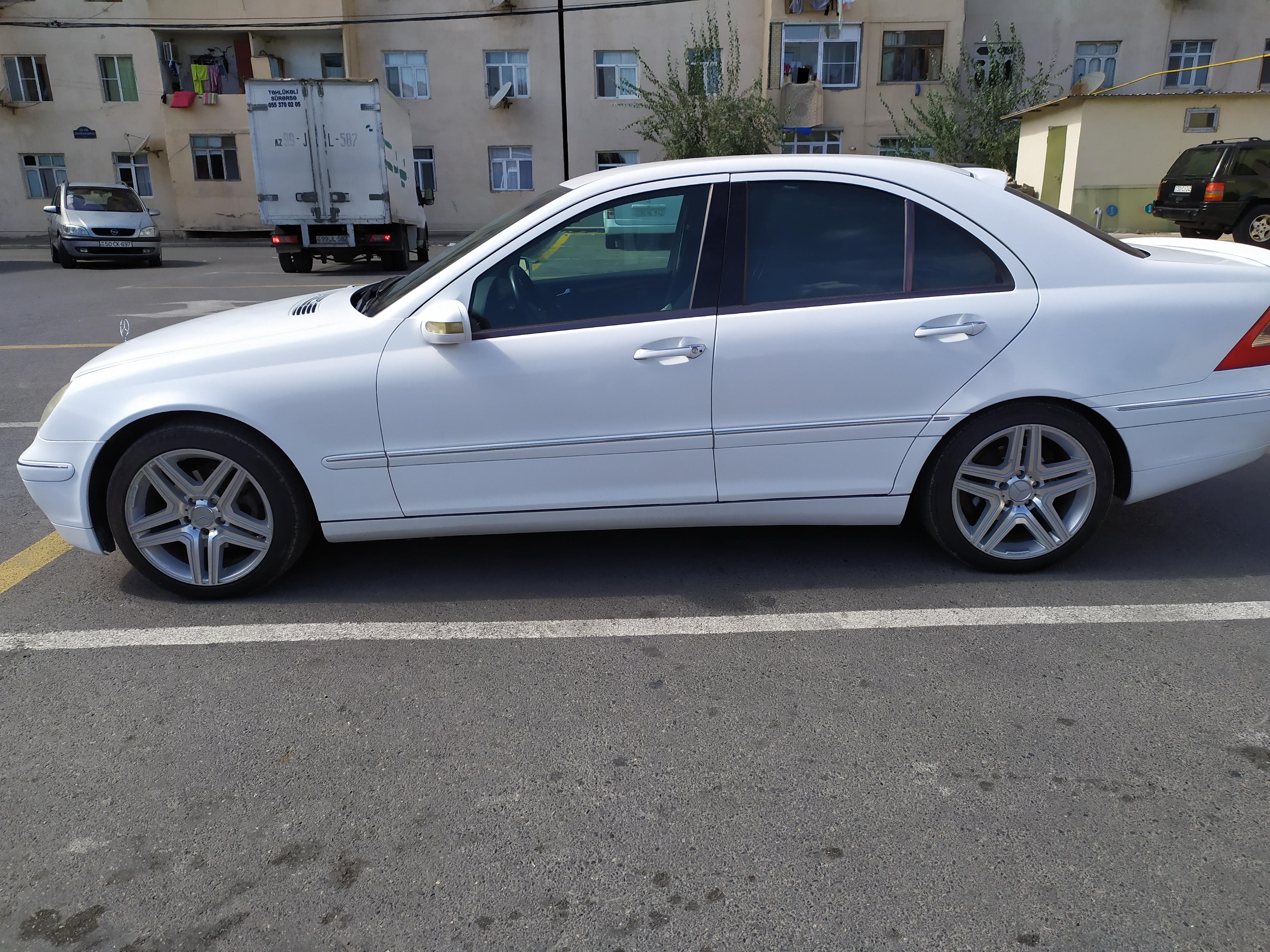 Mercedes-Benz C 200 2.0(lt) 2000 İkinci əl  $11500
