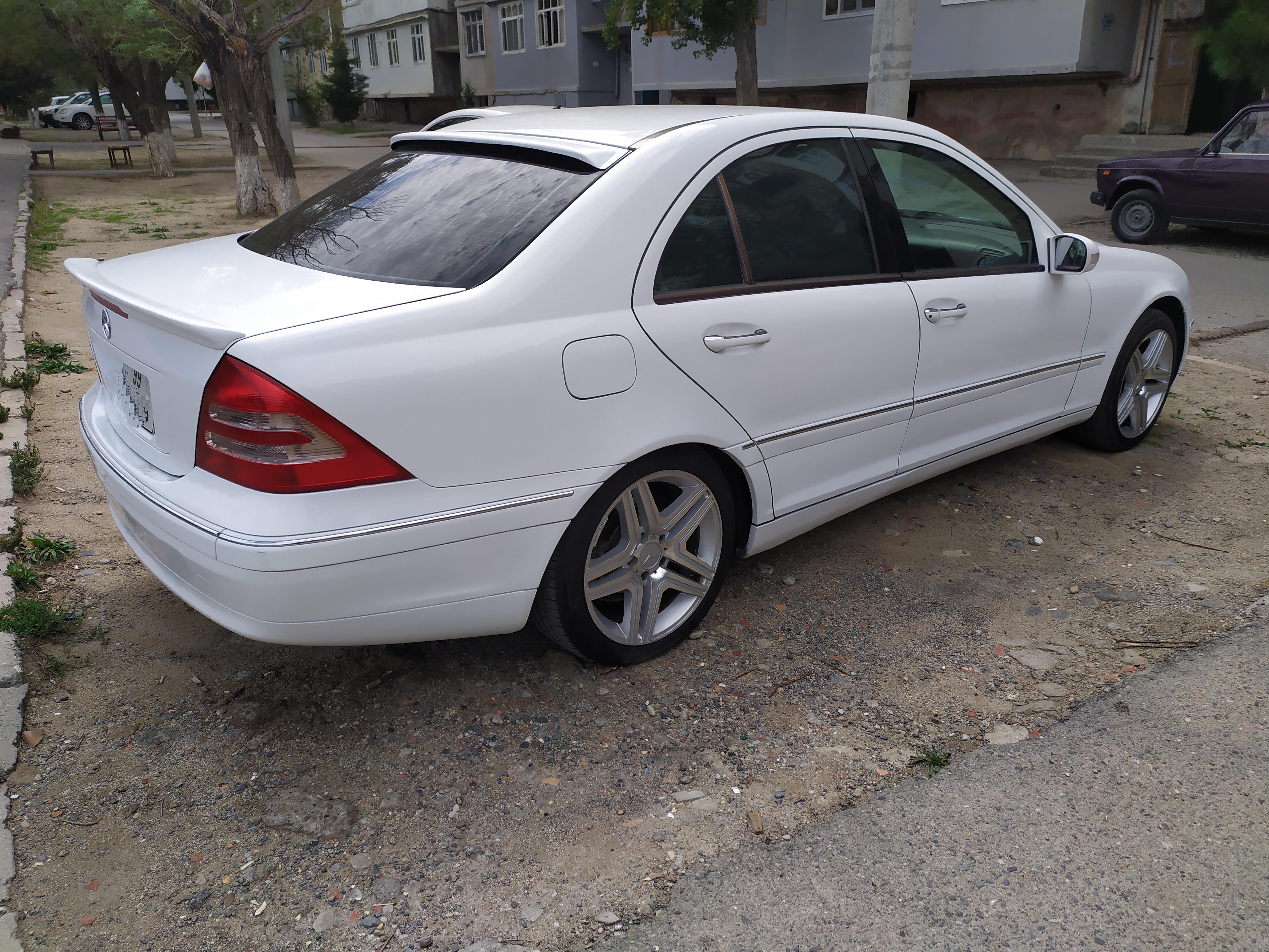 Mercedes-Benz C 200 2.0(lt) 2000 Подержанный  $11500