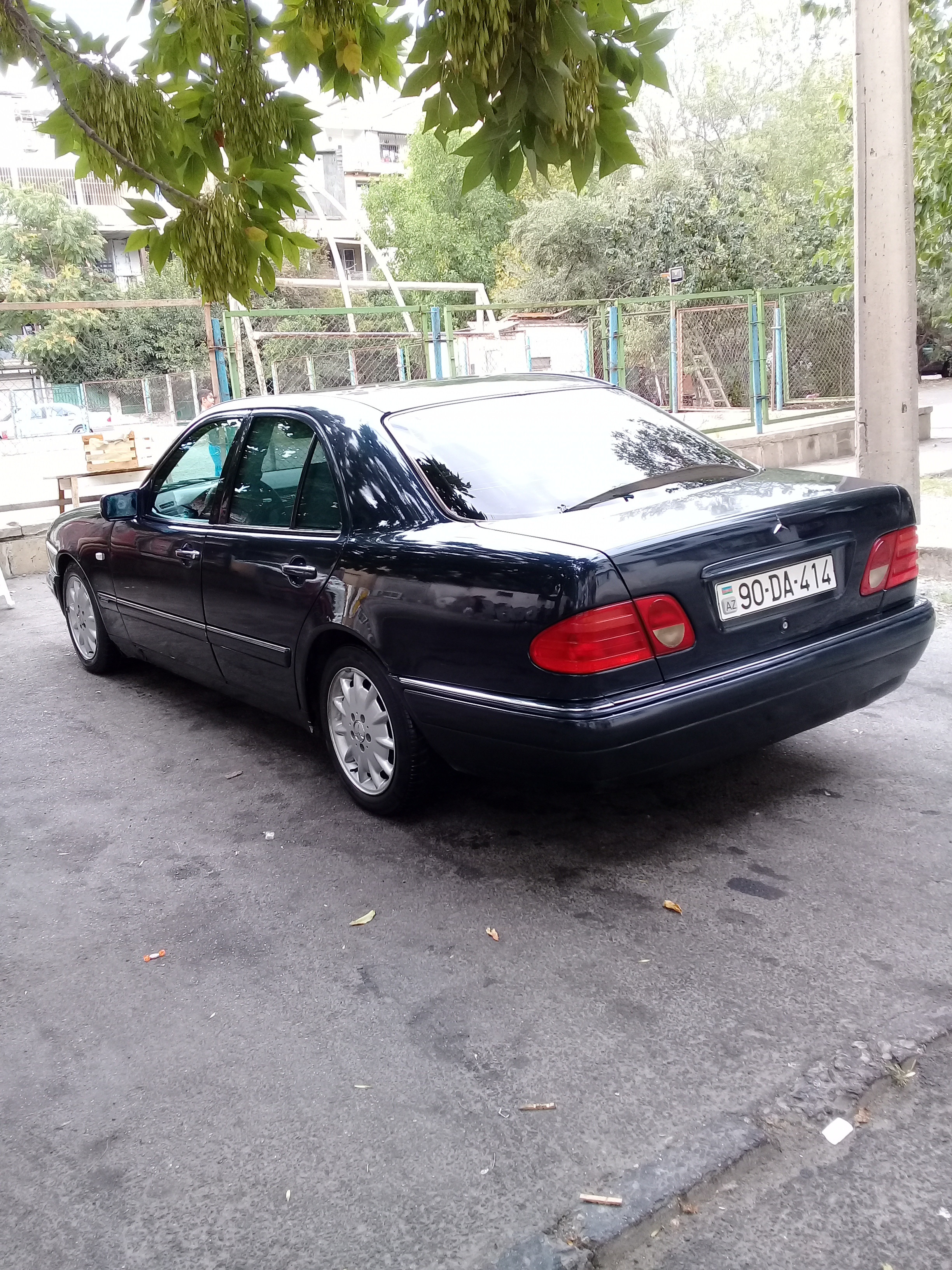 Mercedes-Benz E 230 2.3(lt) 1996 Подержанный  $5300